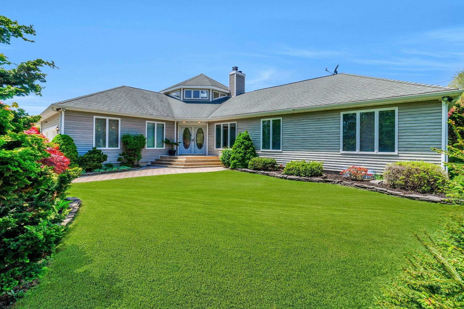 Single Family Home for Active at Southold 1530 Clearview Ave Southold, New York 11971 United States