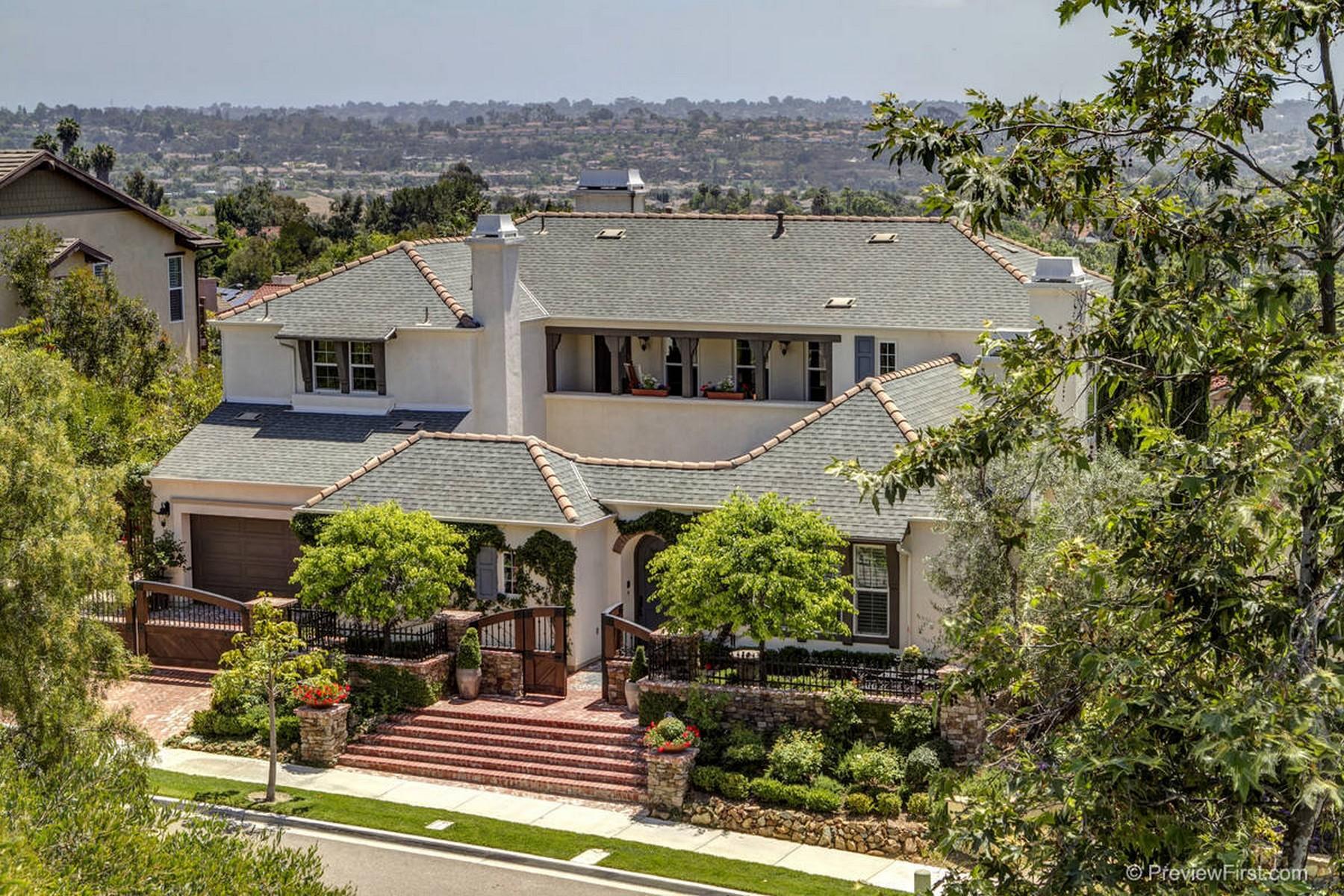 Maison unifamiliale pour l Vente à 7675 Circulo Sequoia Carlsbad, Californie 92009 États-Unis