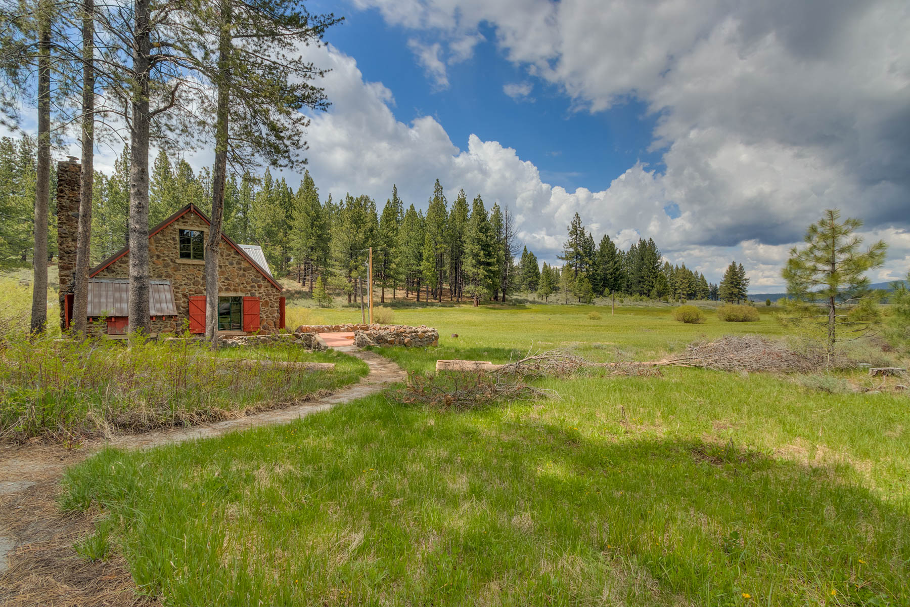 Additional photo for property listing at 9755 Joerger Ranch Road, Truckee, CA 96161 9755 Joerger Ranch Road Truckee, California 96161 United States