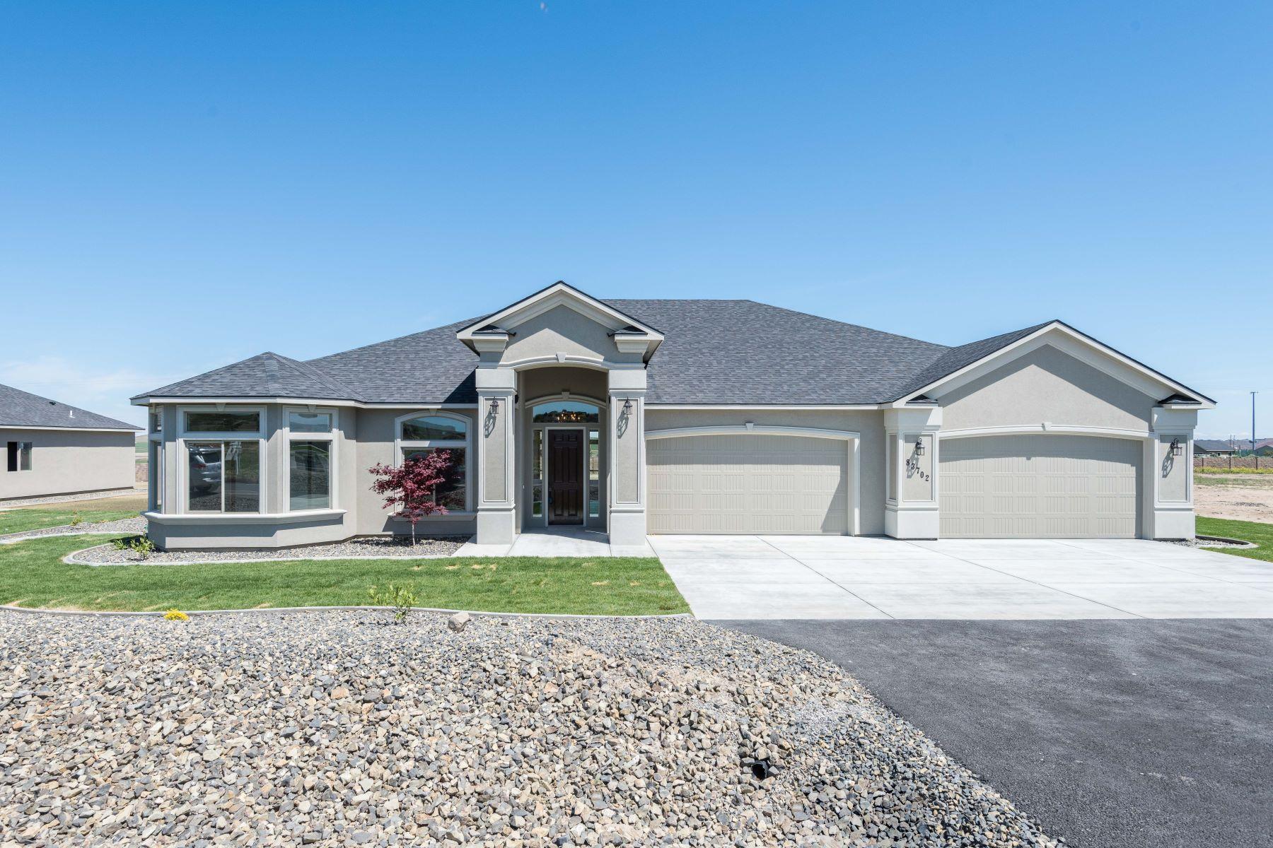 Single Family Home for Sale at New Construction in Summit View 83702 Sagebrush Road Kennewick, Washington 99336 United States