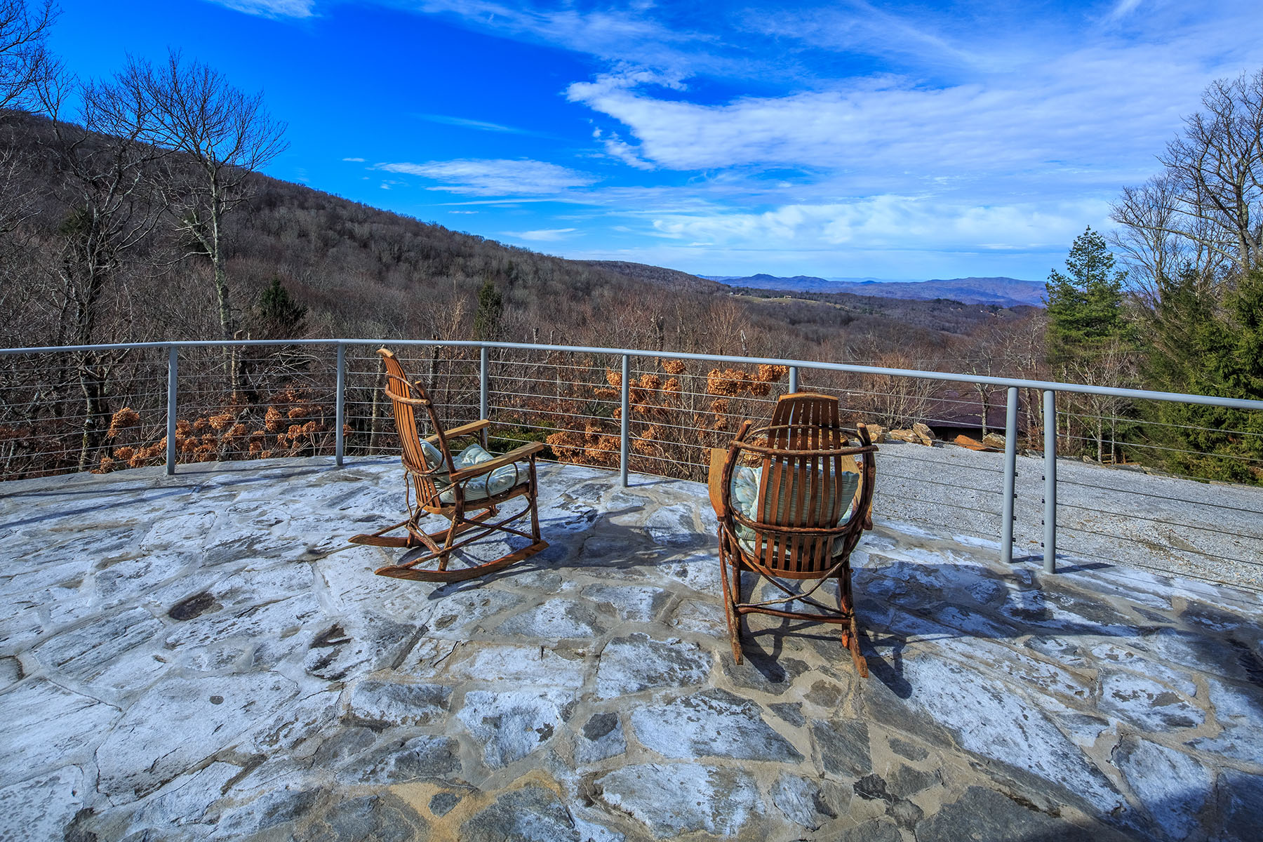 Single Family Homes for Sale at BEECH MOUNTAIN 141 Raven Rd Beech Mountain, North Carolina 28604 United States