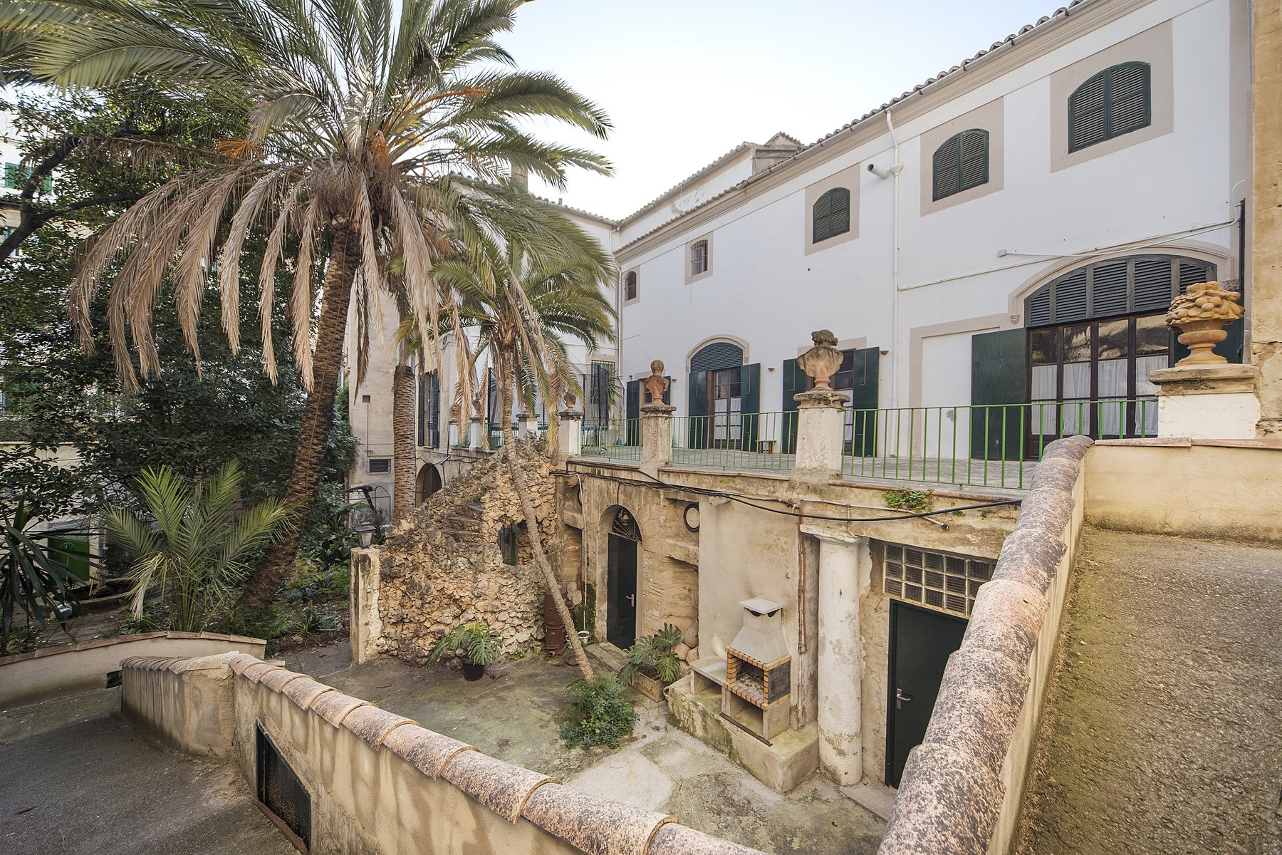 sales property at Urban palace in the centre of Palma