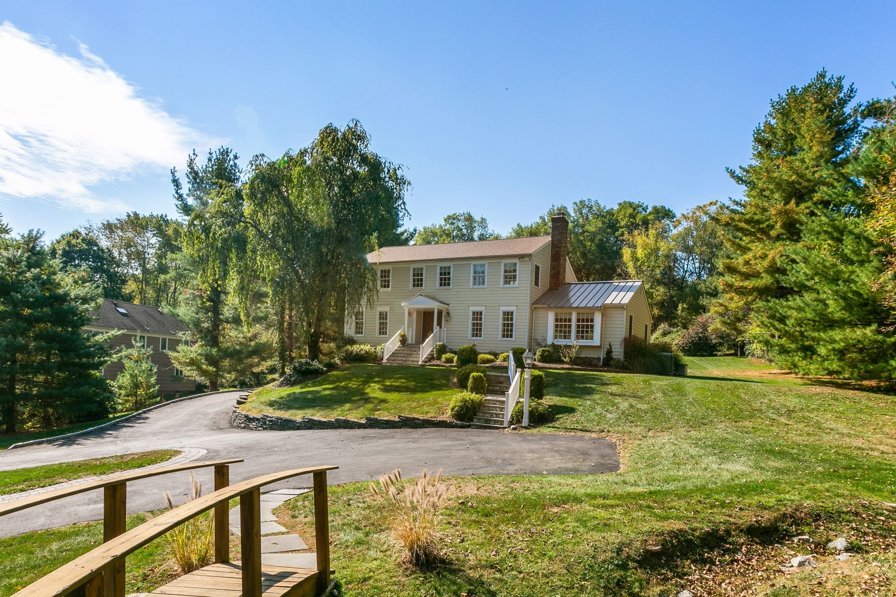Single Family Homes for Sale at Stunning Colonial 71 Lowery Lane Mendham, New Jersey 07945 United States