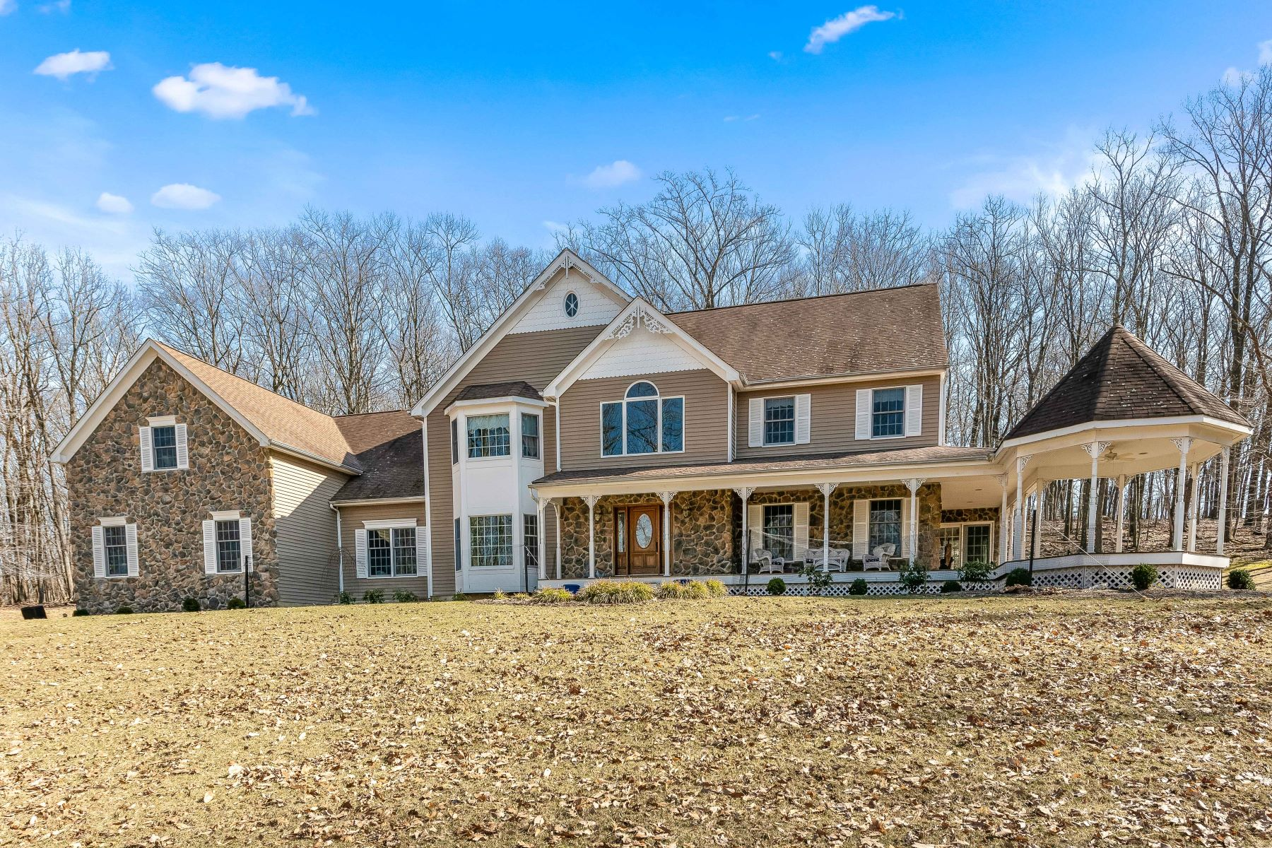 Single Family Homes for Sale at Stunning Tewksbury Colonial 29A Philhower Road Tewksbury Township, New Jersey 08833 United States