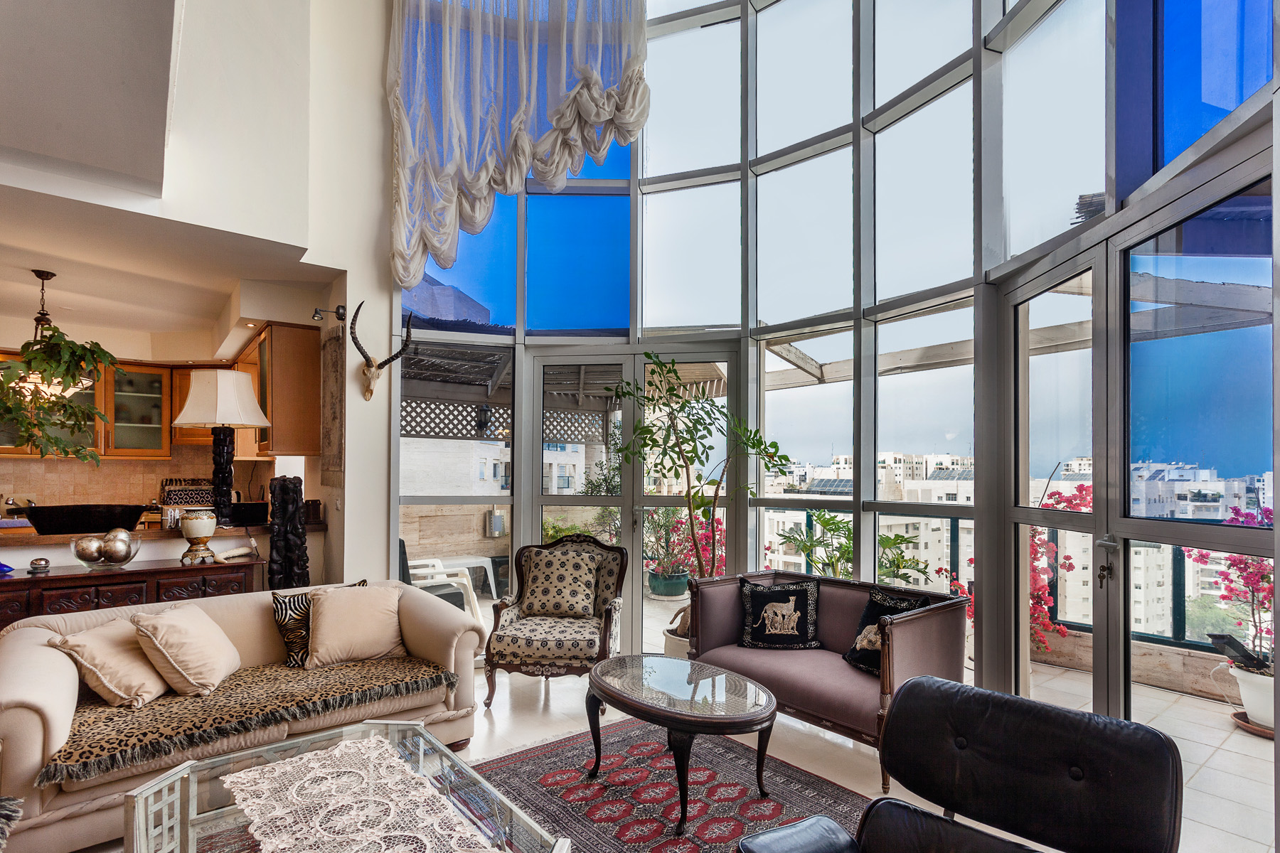 Additional photo for property listing at Exquisite Luxury Penthouse in New Ramat Aviv Gimel Tel Aviv, Israel Israël