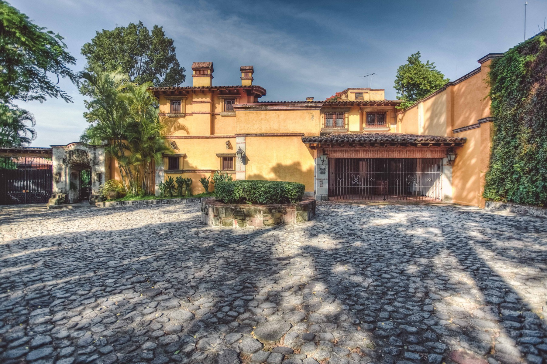 Single Family Home for Sale at Casa Las Palomas en Cuernavaca Cuernavaca, 62490 Mexico
