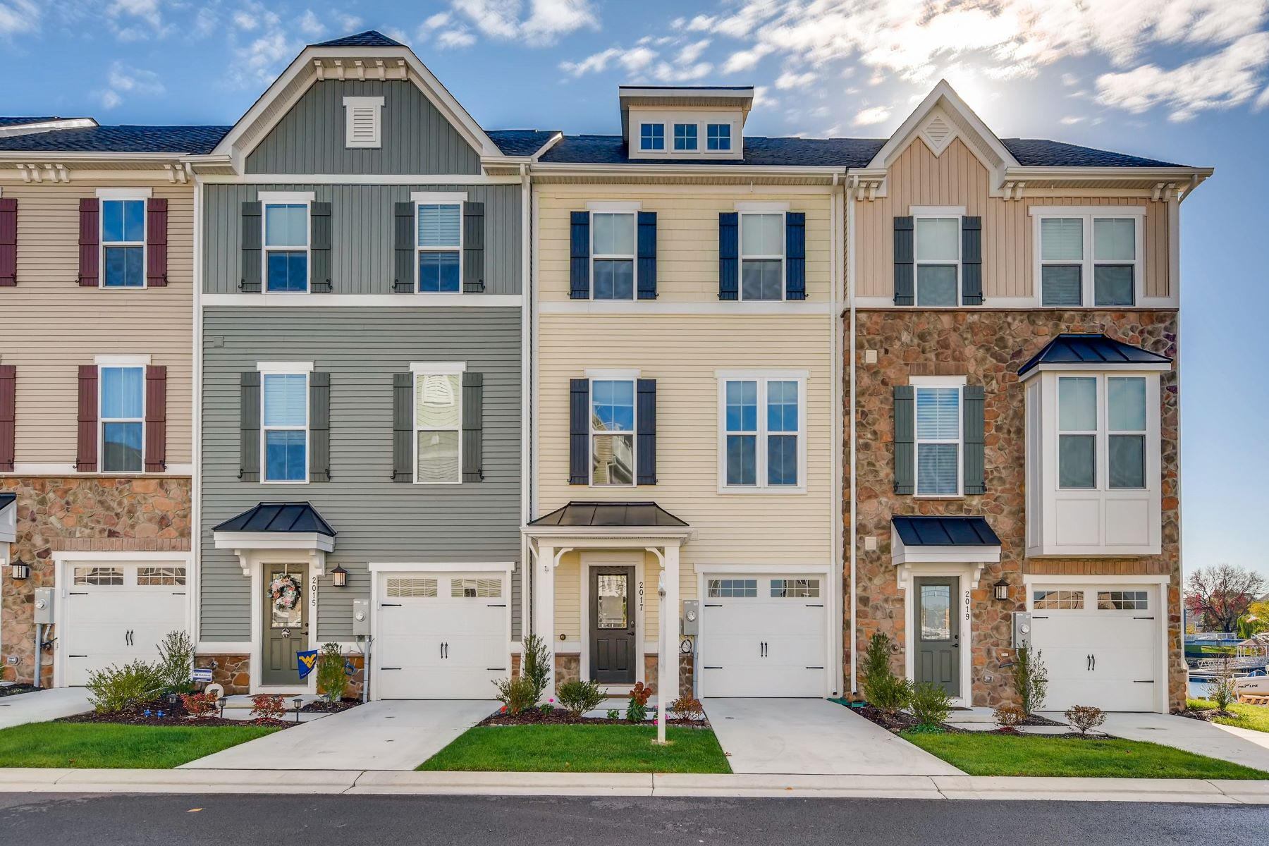 townhouses pour l Vente à Sheltered Harbor 2017 Jetty Drive, Dundalk, Maryland 21222 États-Unis
