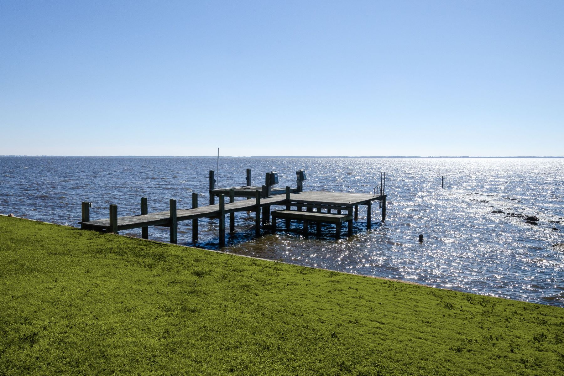 Additional photo for property listing at STUNNING SUNSETS ON THE SOUND! 116 Horniblow Pt Rd Edenton, North Carolina 27932 United States