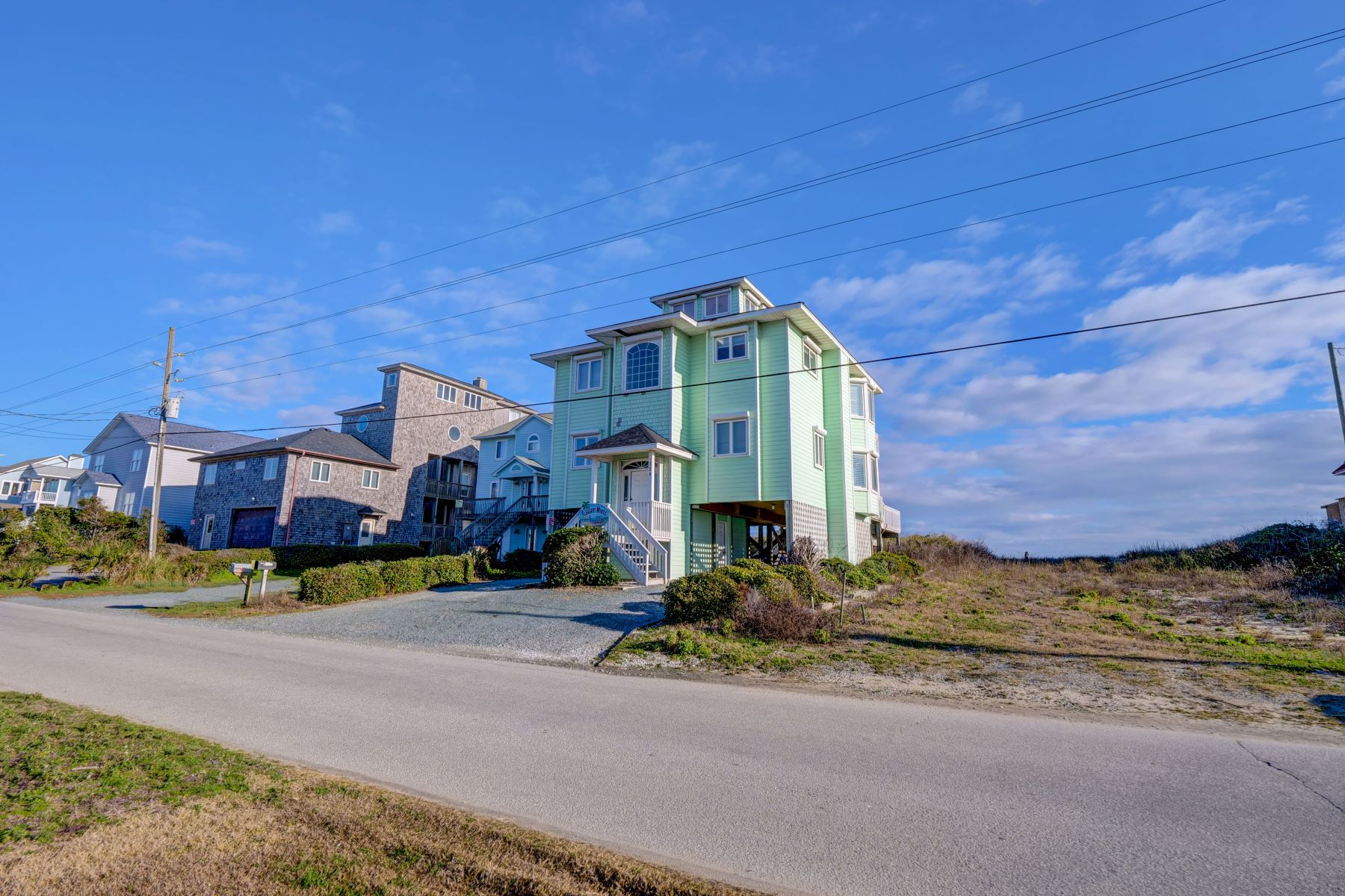Single Family Homes for Sale at Oceanfront Family Beach Home 328 N Shore Drive Surf City, North Carolina 28445 United States