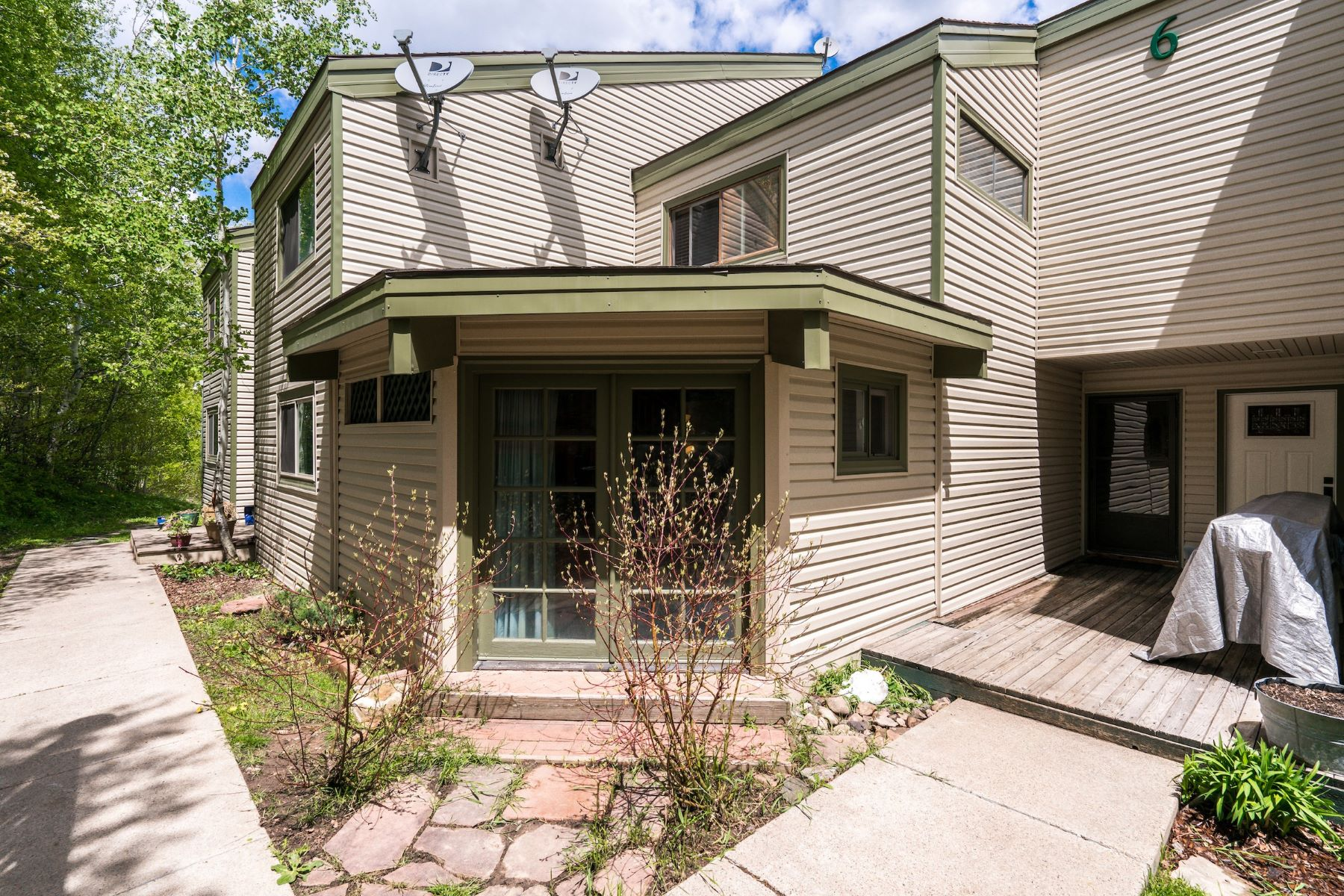 Townhouse for Sale at Desirable Stagecoach Townhome 23120 Schussmarkt Trl C Stagecoach, Oak Creek, Colorado, 80467 United States
