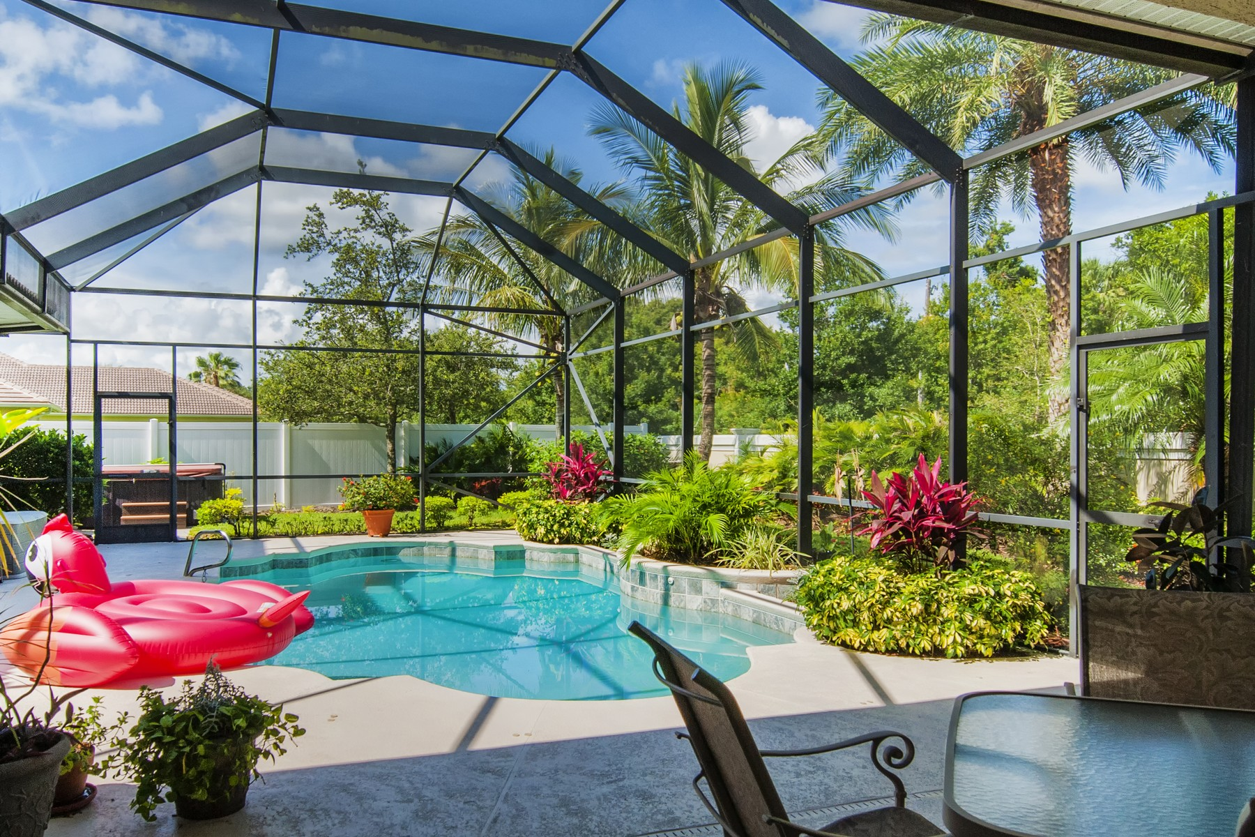 Additional photo for property listing at Immaculate and Grand Pool Home on Doctors Row 1705 Lee Avenue Vero Beach, Florida 32966 United States