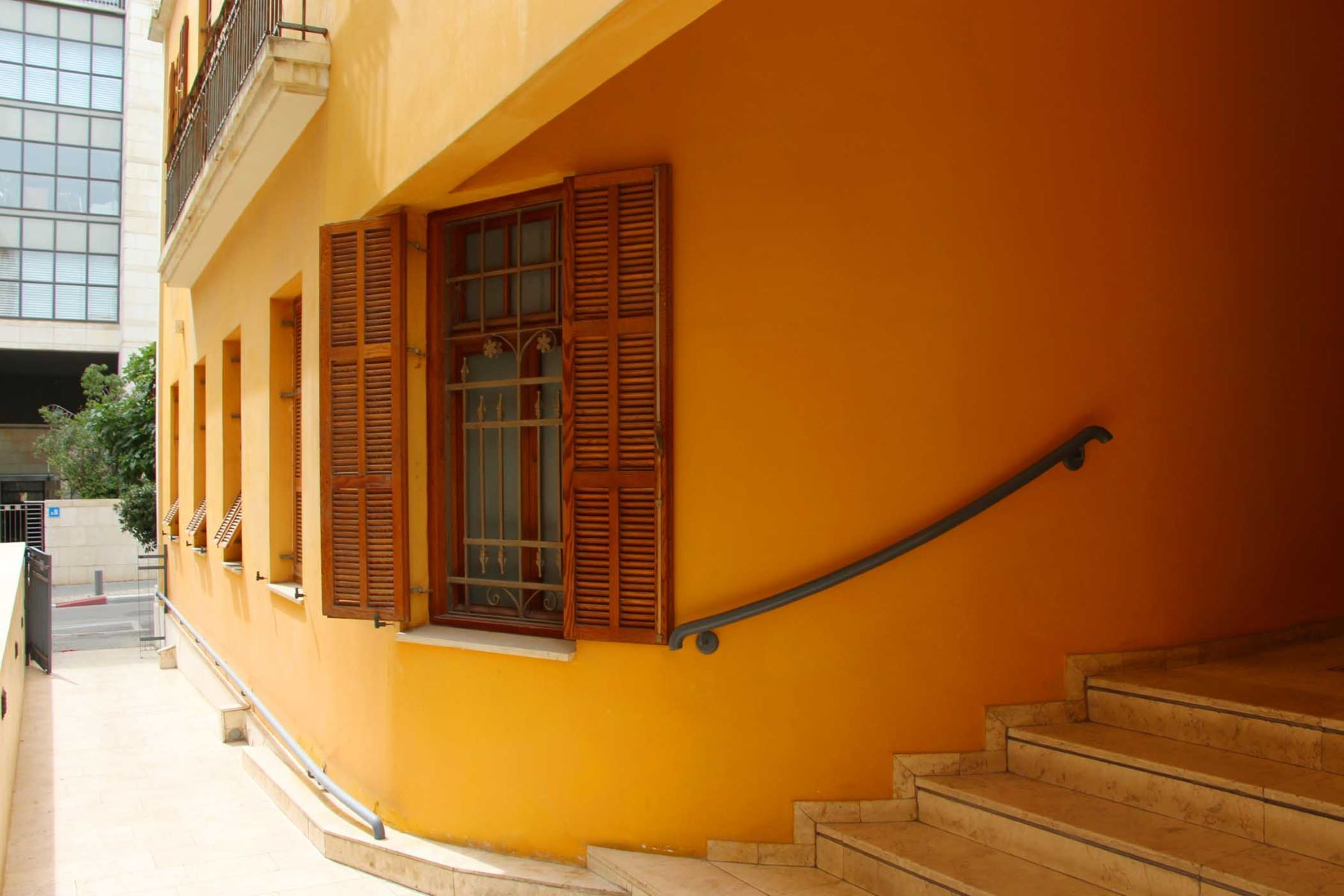 Additional photo for property listing at Elegant Apartment in a Restored Building Tel Aviv, Israel Israel
