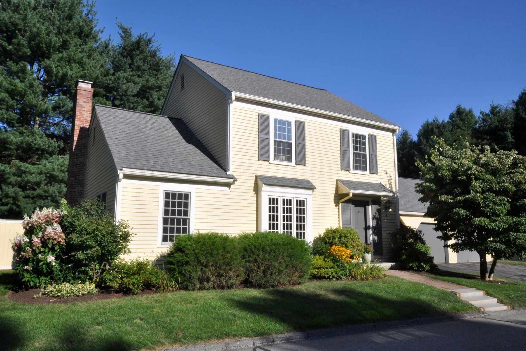 Single Family Homes for Sale at 8 Edmonds Road Concord, Massachusetts 01742 United States