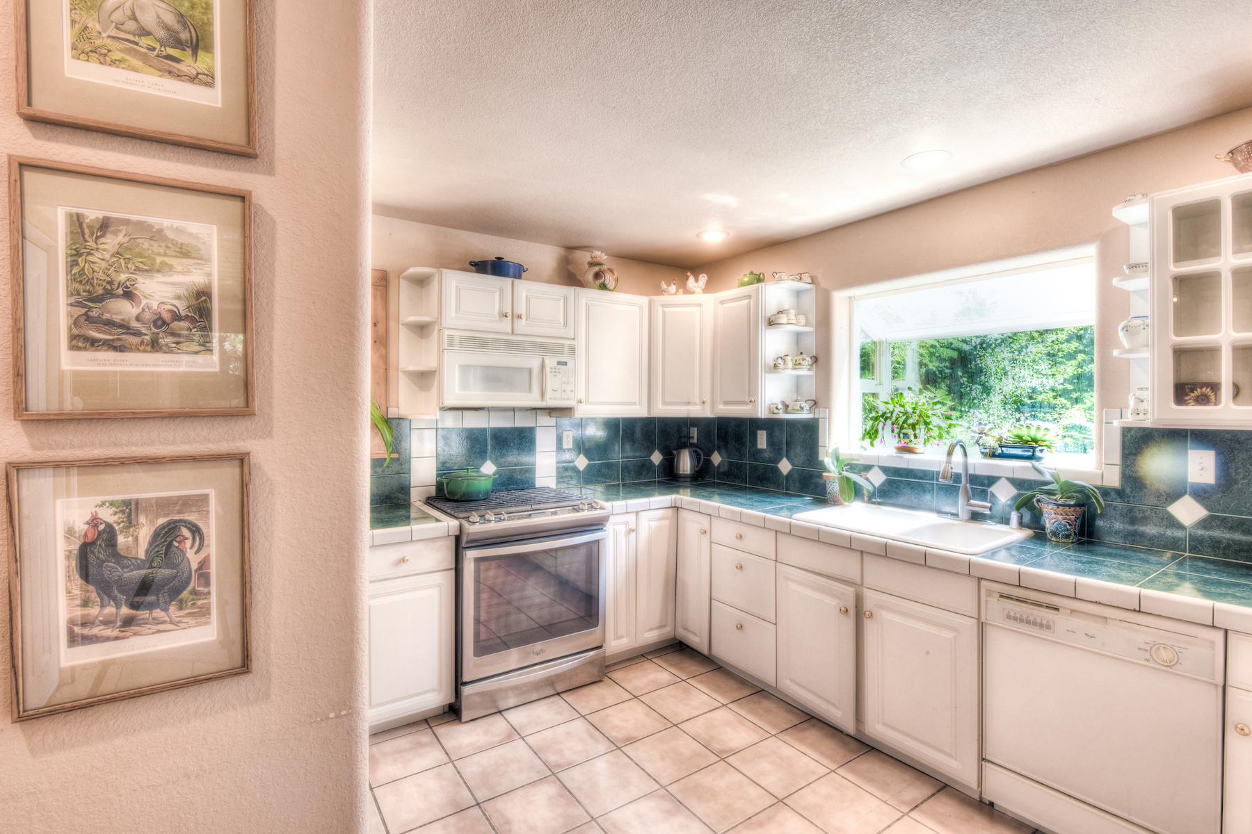 Additional photo for property listing at 1190 Canterbury Drive, Kings Beach CA 96143 1190 Canterbury Drive Kings Beach, California 96143 United States