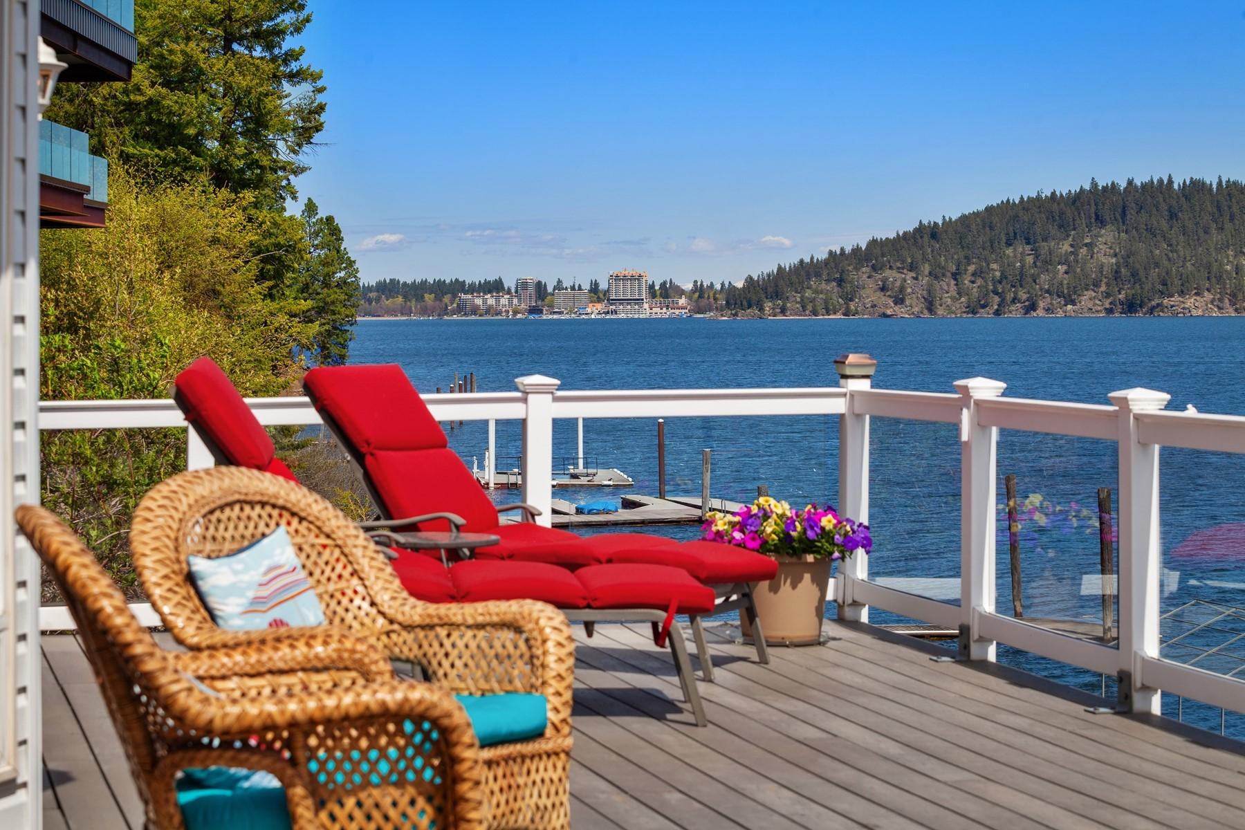 Single Family Homes por un Venta en Private CDA Lake Getaway 308 W Steamboat Dr Coeur D Alene, Idaho 83814 Estados Unidos