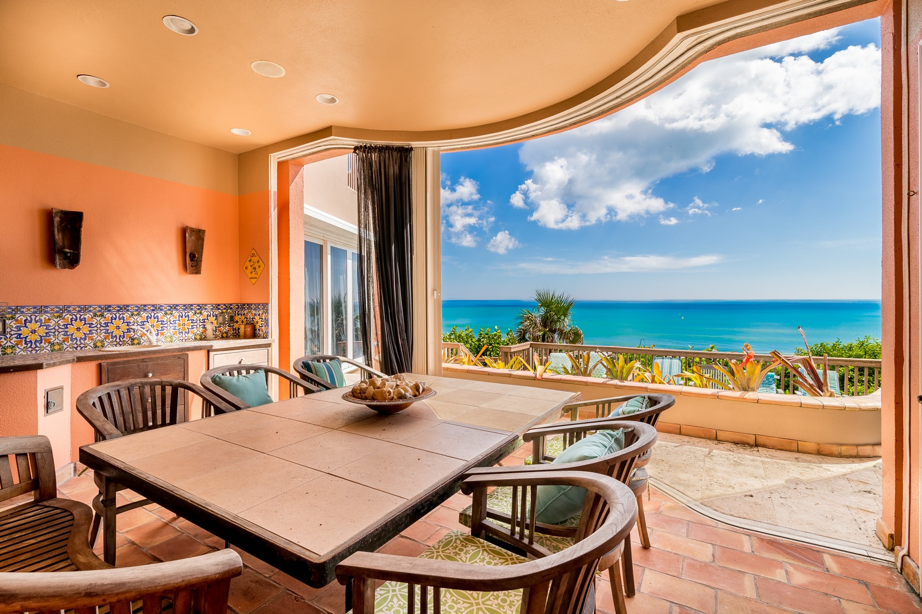 Additional photo for property listing at Oceanfront Castle! 7525 Highway A1A Melbourne Beach, Florida 32951 Estados Unidos
