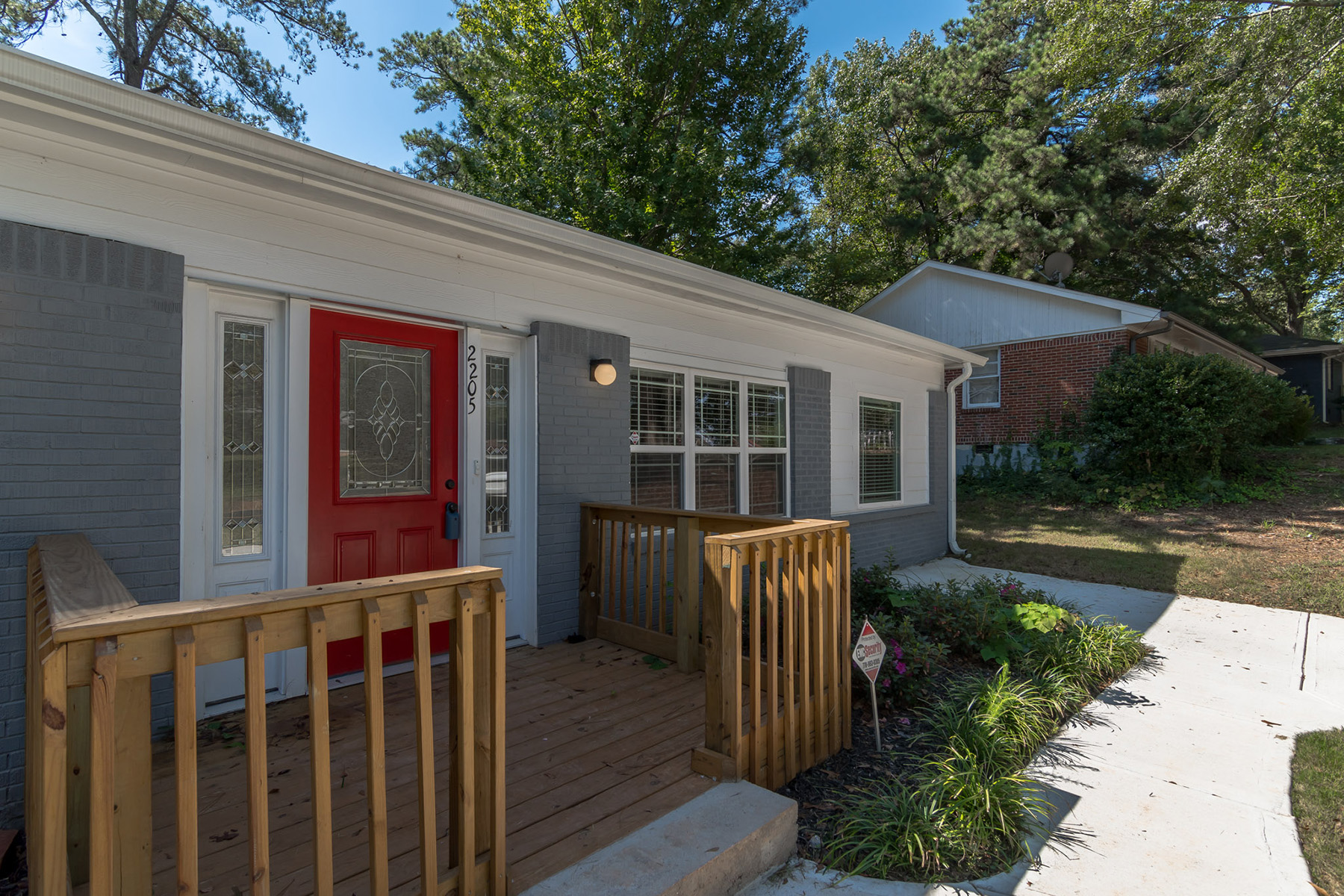 Additional photo for property listing at Fully Renovated East Atlanta Ranch with Fenced Back Yard 2205 Brannen Road SE Atlanta, Georgia 30316 United States
