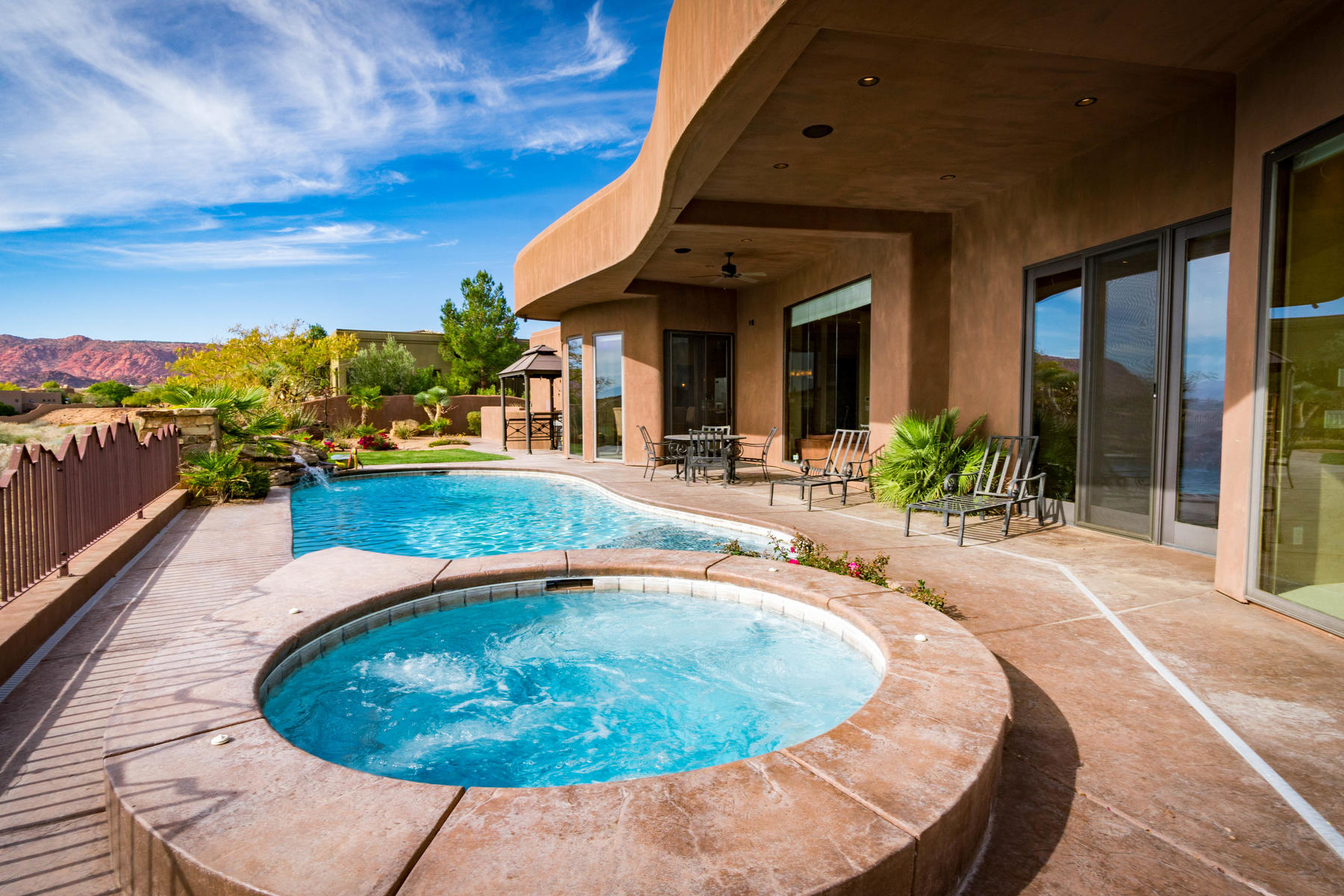 Additional photo for property listing at Spectacular Home at Ledges 1923 W Rising Sun Dr St. George, Utah 84770 États-Unis