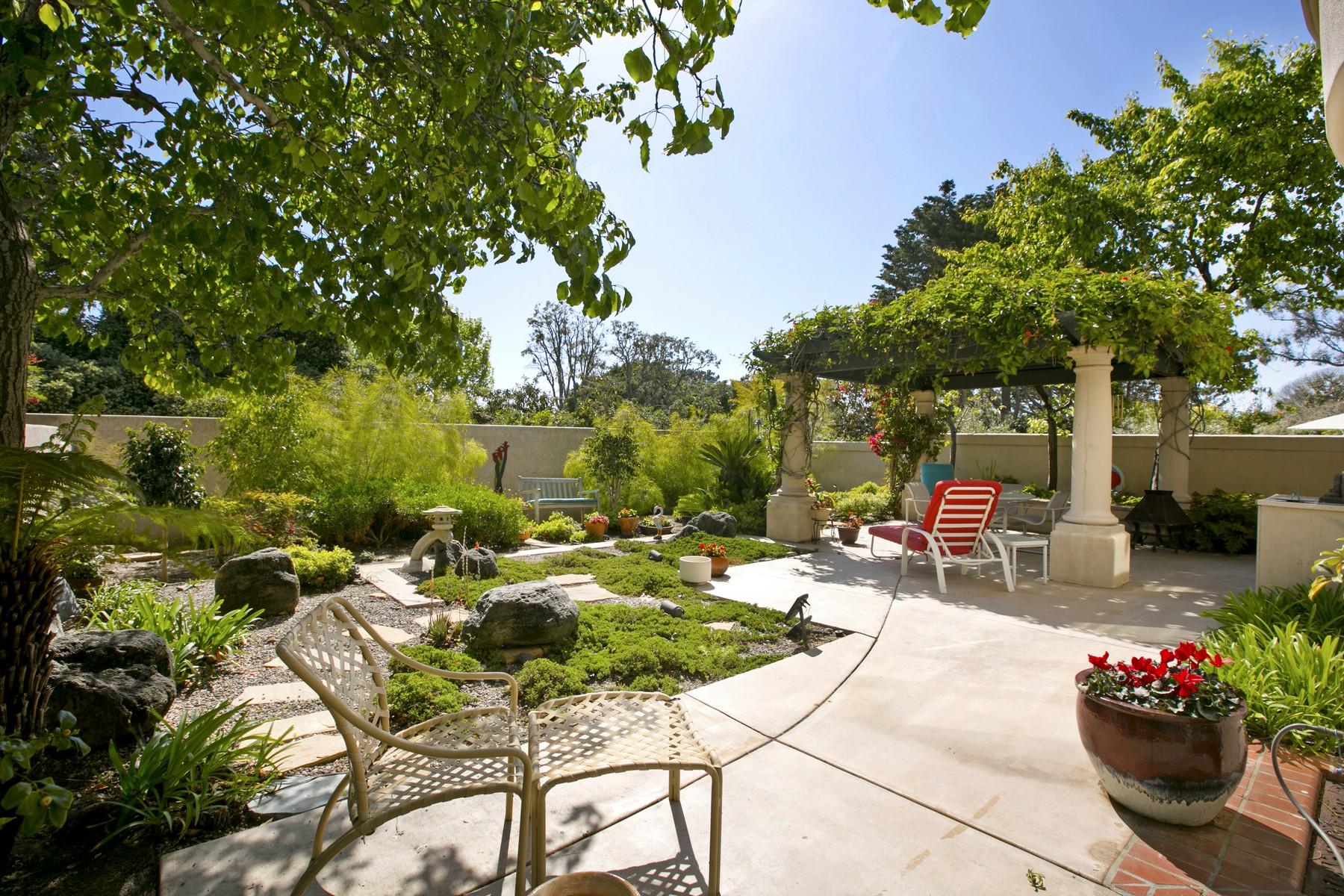 Additional photo for property listing at 9654 Claiborne Square  La Jolla, California 92037 United States
