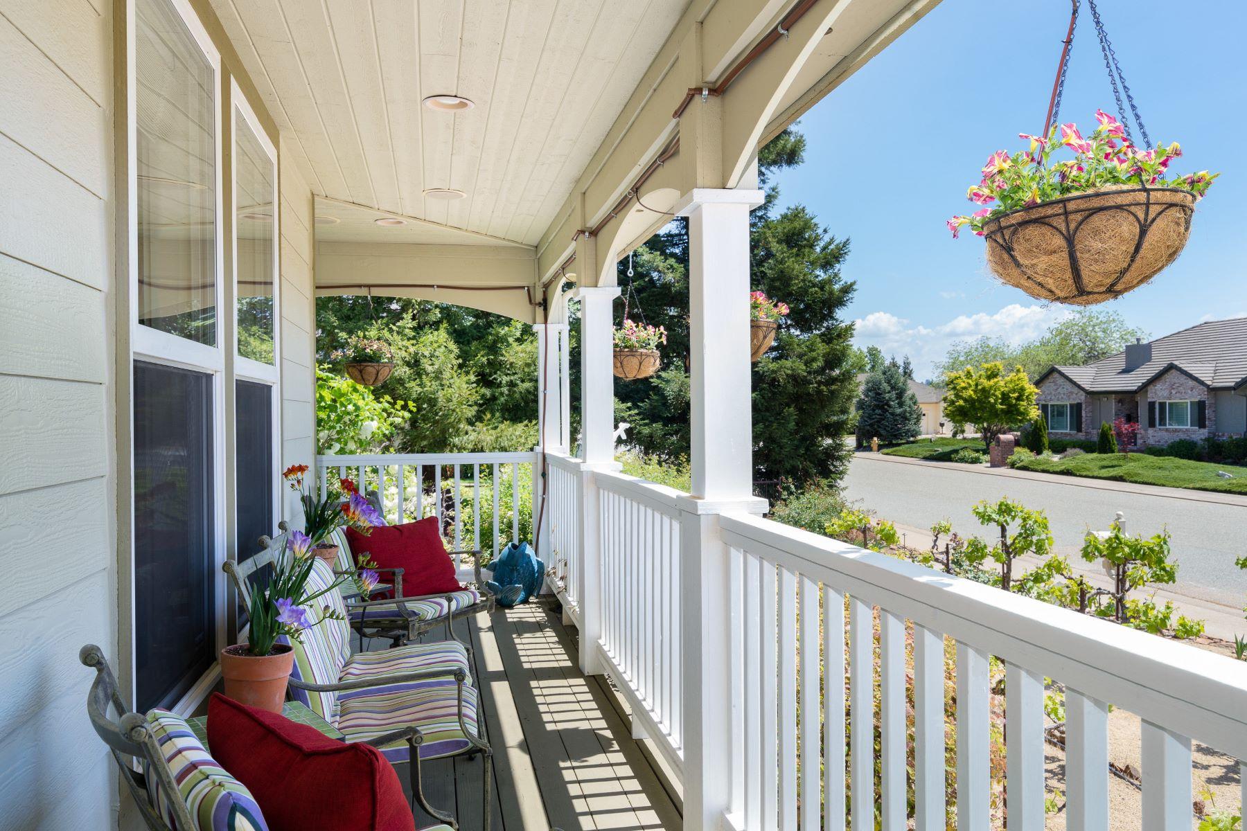 Single Family Homes por un Venta en Welcome to the Vine House 310 California Drive Sutter Creek, California 95685 Estados Unidos