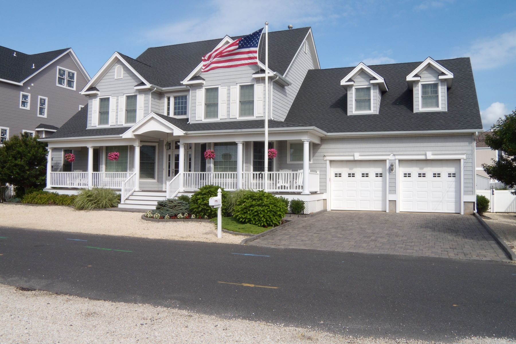 Moradia para Venda às Fantastic Custom Built Home 493 Ellison Drive, Normandy Beach, Nova Jersey 08739 Estados Unidos