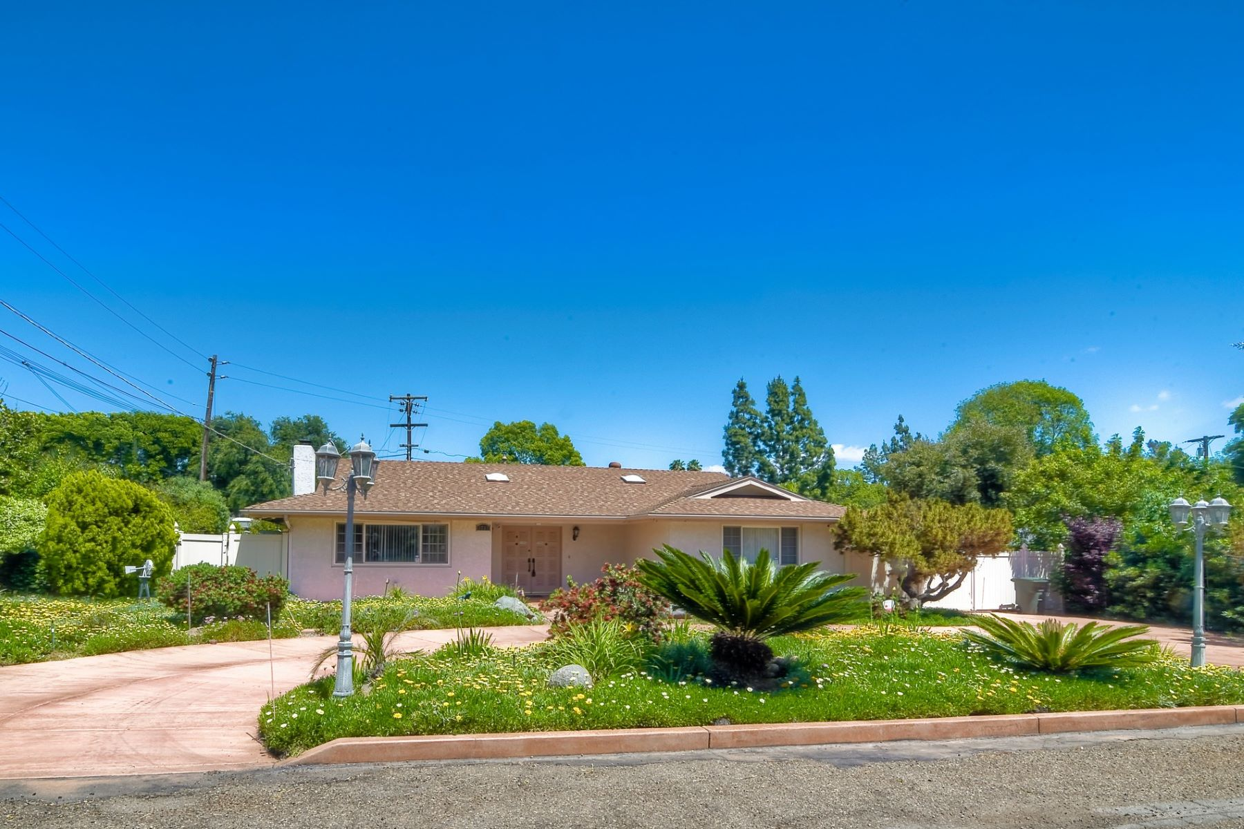 Single Family Homes for Active at Single and Stunning! 3737 Linda Lane Spring Valley, California 91977 United States
