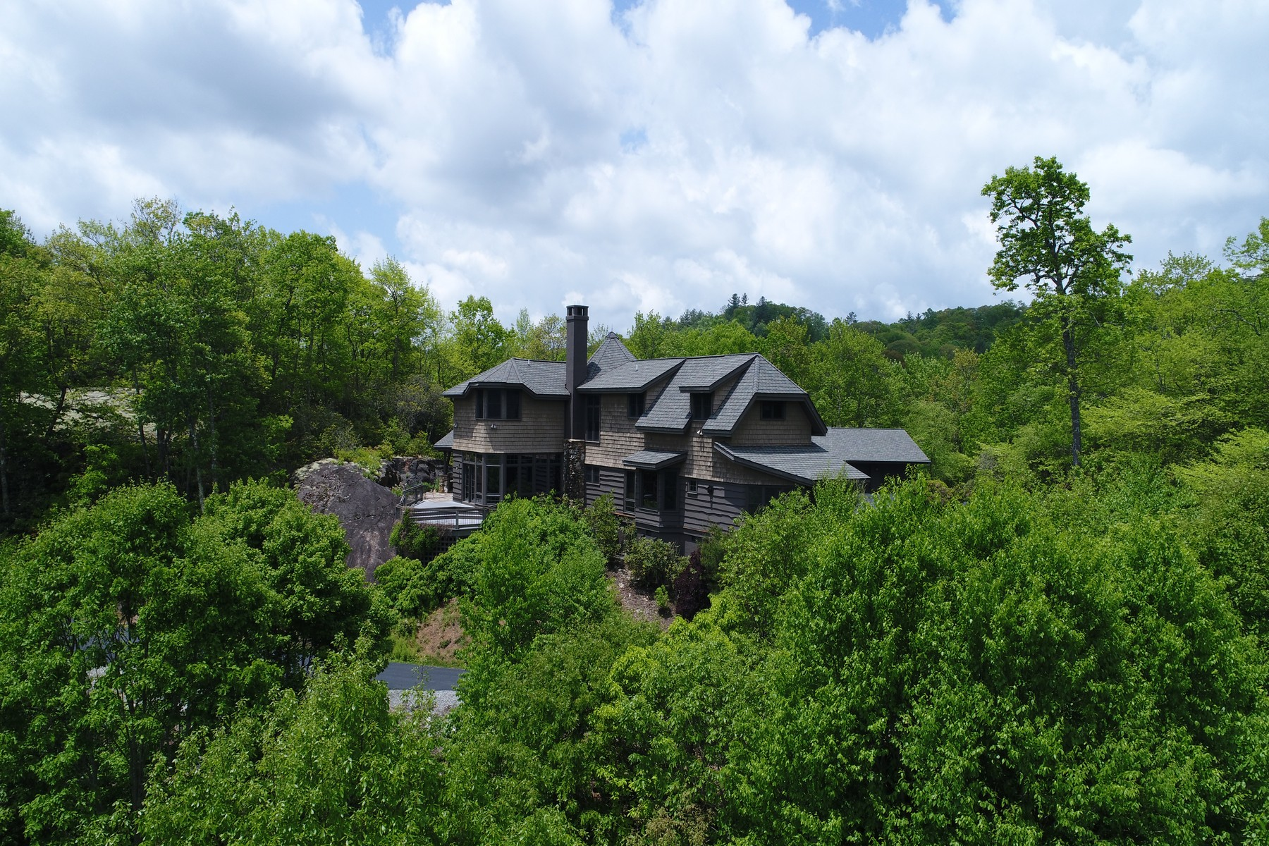 Villa per Vendita alle ore 224 Knob Hill Highlands, NC 224 Knob Hill Highlands, Carolina Del Nord 28741 Stati Uniti