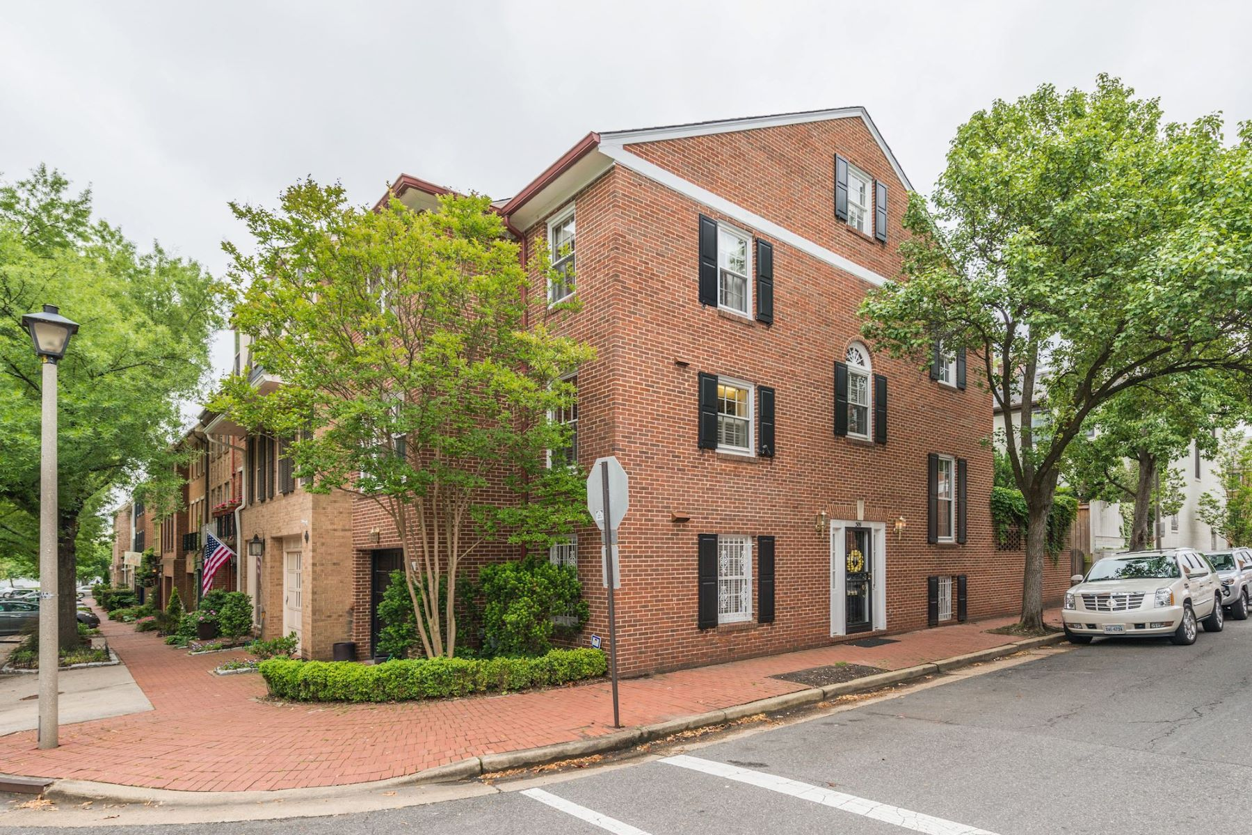 Townhouse for Sale at 309 Lee Street N, Alexandria Old Town, Alexandria, Virginia, 22314 United States