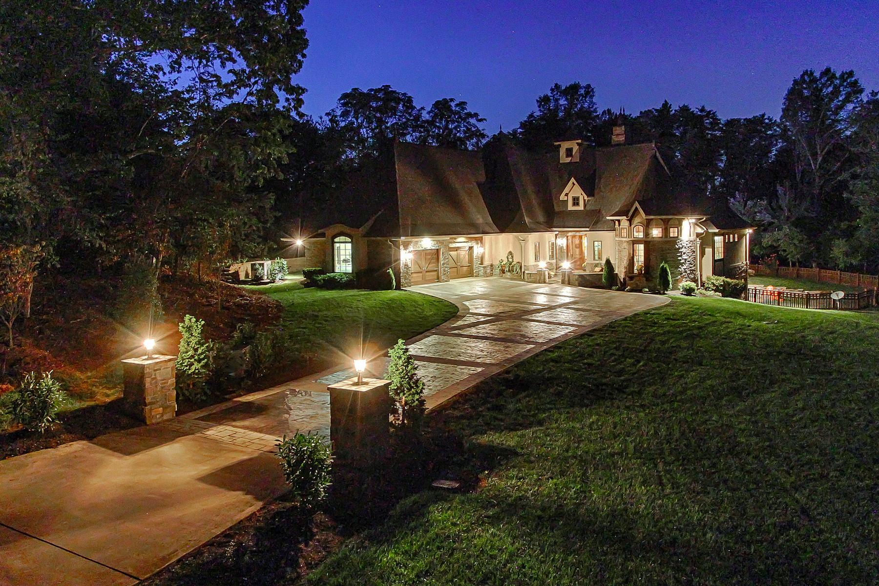 Single Family Homes por un Venta en Sophisticated Old-World Charm 2543 Choto Road, Knoxville, Tennessee 37922 Estados Unidos