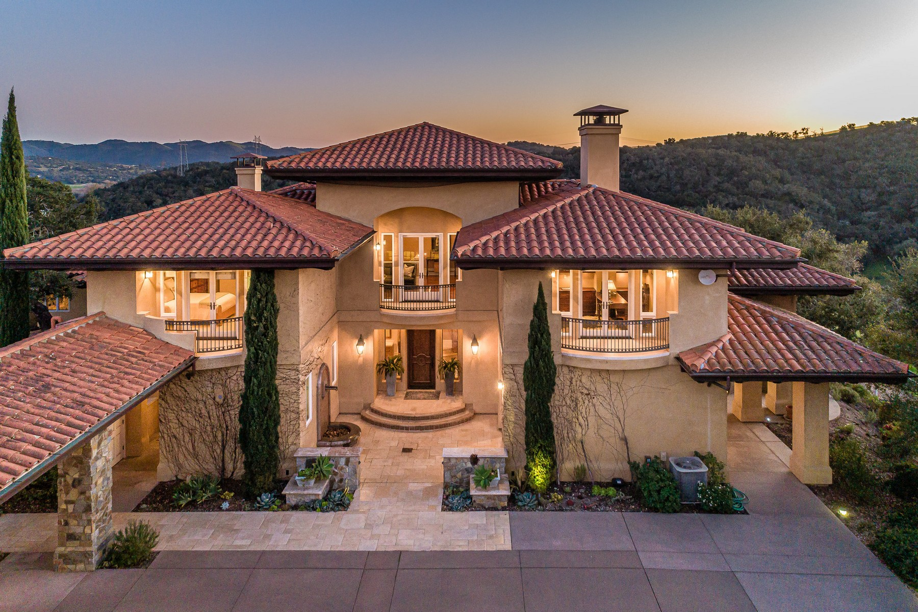 Single Family Homes for Sale at Expansive Wine Country Villa 765 Prickly Pear Way Arroyo Grande, California 93420 United States