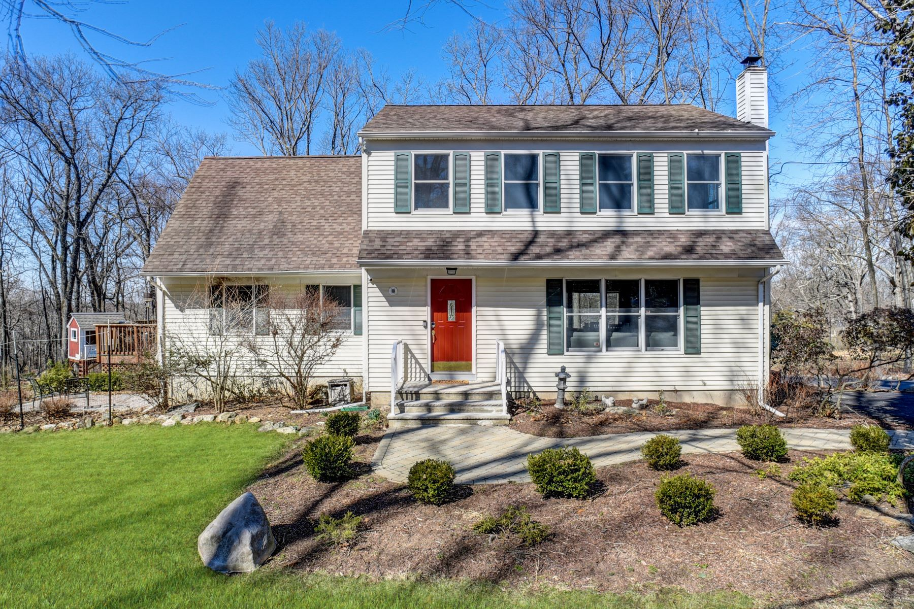 Single Family Homes for Sale at Beautifully Renovated Colonial 11 Overlook Avenue Randolph, New Jersey 07869 United States