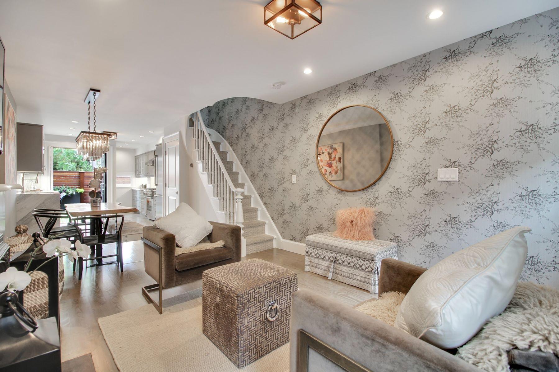 Maison unifamiliale pour l Vente à Reside in Luxury & Entertain in Style! 161.5 Coles St Jersey City, New Jersey 07302 États-Unis