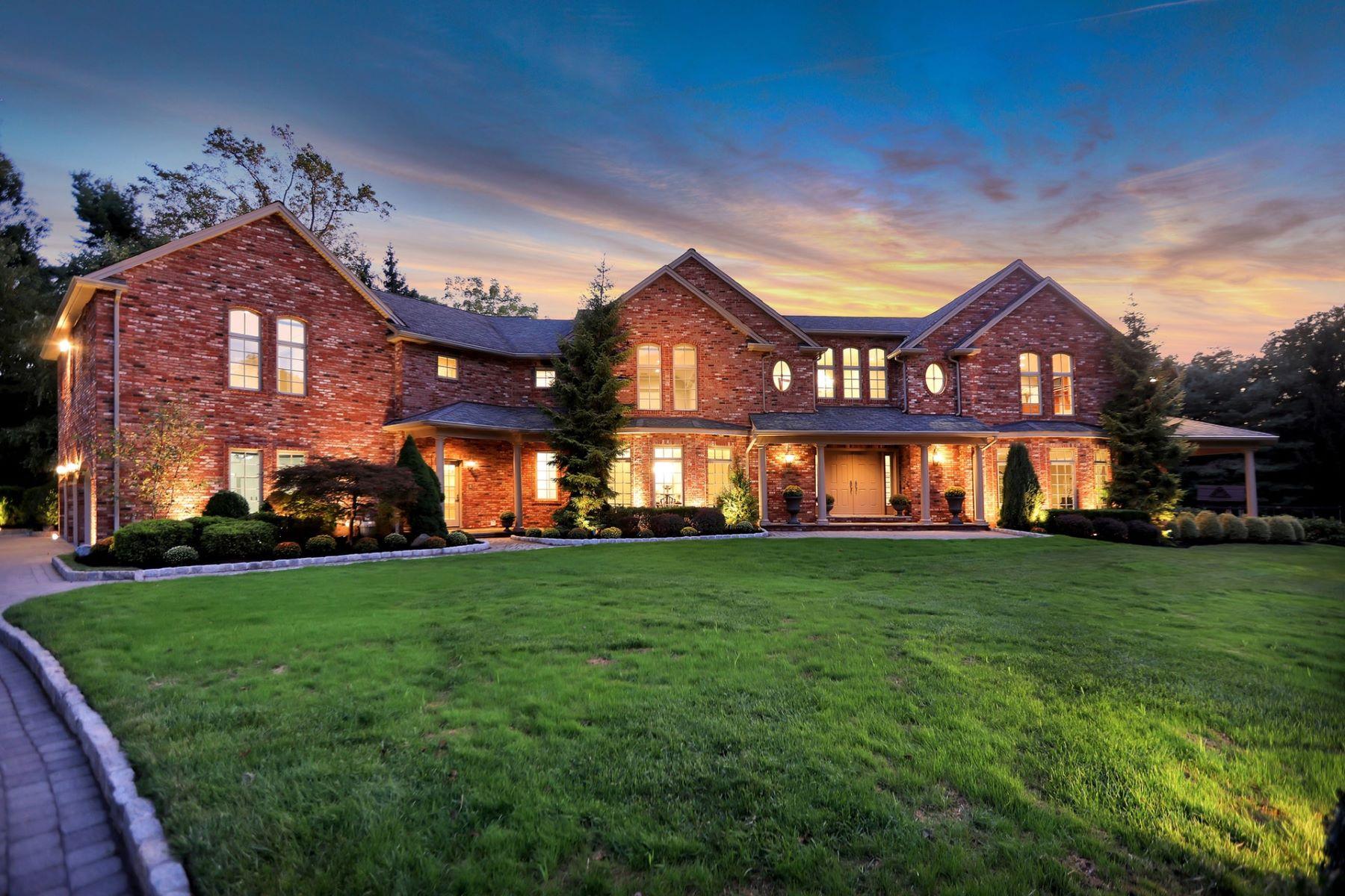 Single Family Homes för Försäljning vid Designed for luxurious living, this custom built Rockleigh estate 3 Conklin Lane, Rockleigh, New Jersey 07647 Förenta staterna