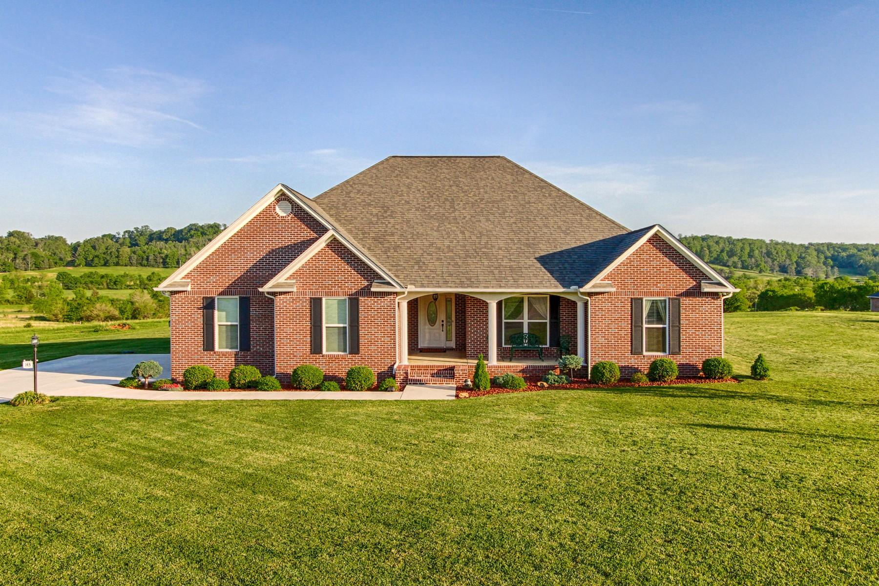 Casa para uma família para Venda às Custom Built All Brick Home 143 County Road 2600 Athens, Tennessee, 37303 Estados Unidos