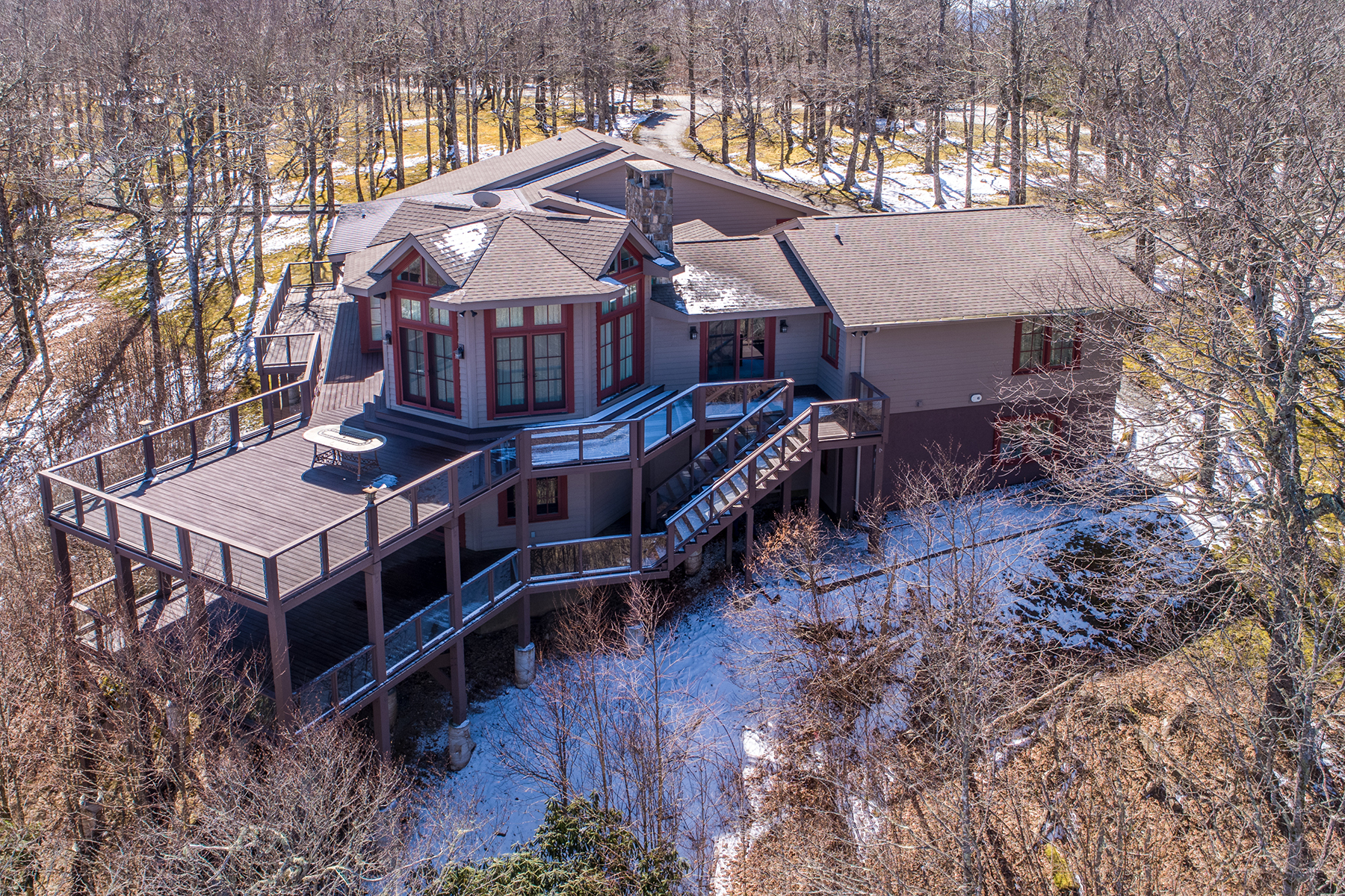 Single Family Homes for Active at BEECH MOUNTAIN - EMERALD MOUNTAIN 201 Oz Rd Beech Mountain, North Carolina 28604 United States