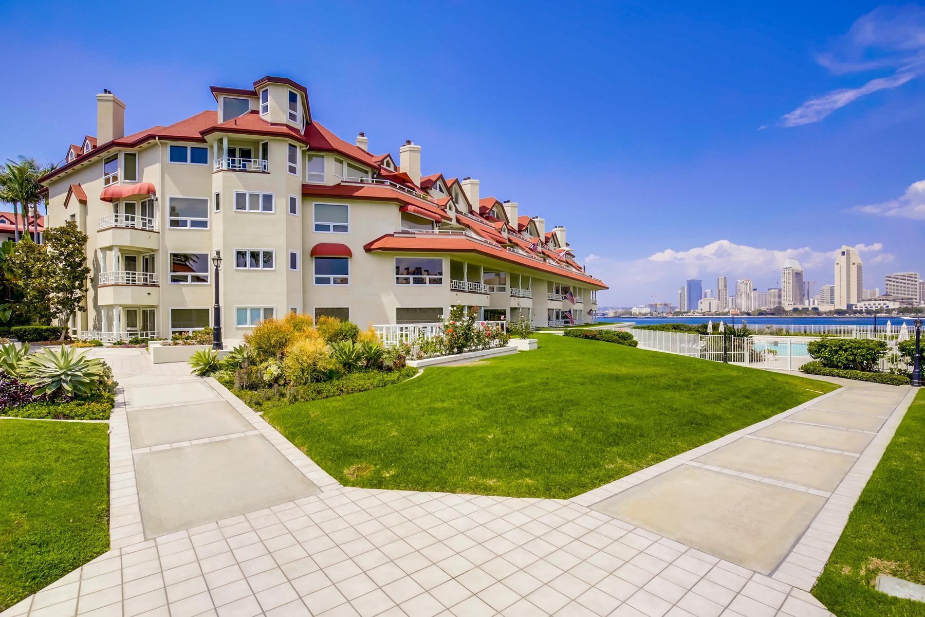 独户住宅 为 销售 在 1099 1st Street #207 1099 1st Street Unit #207, 科罗纳多, 加利福尼亚州, 92118 美国