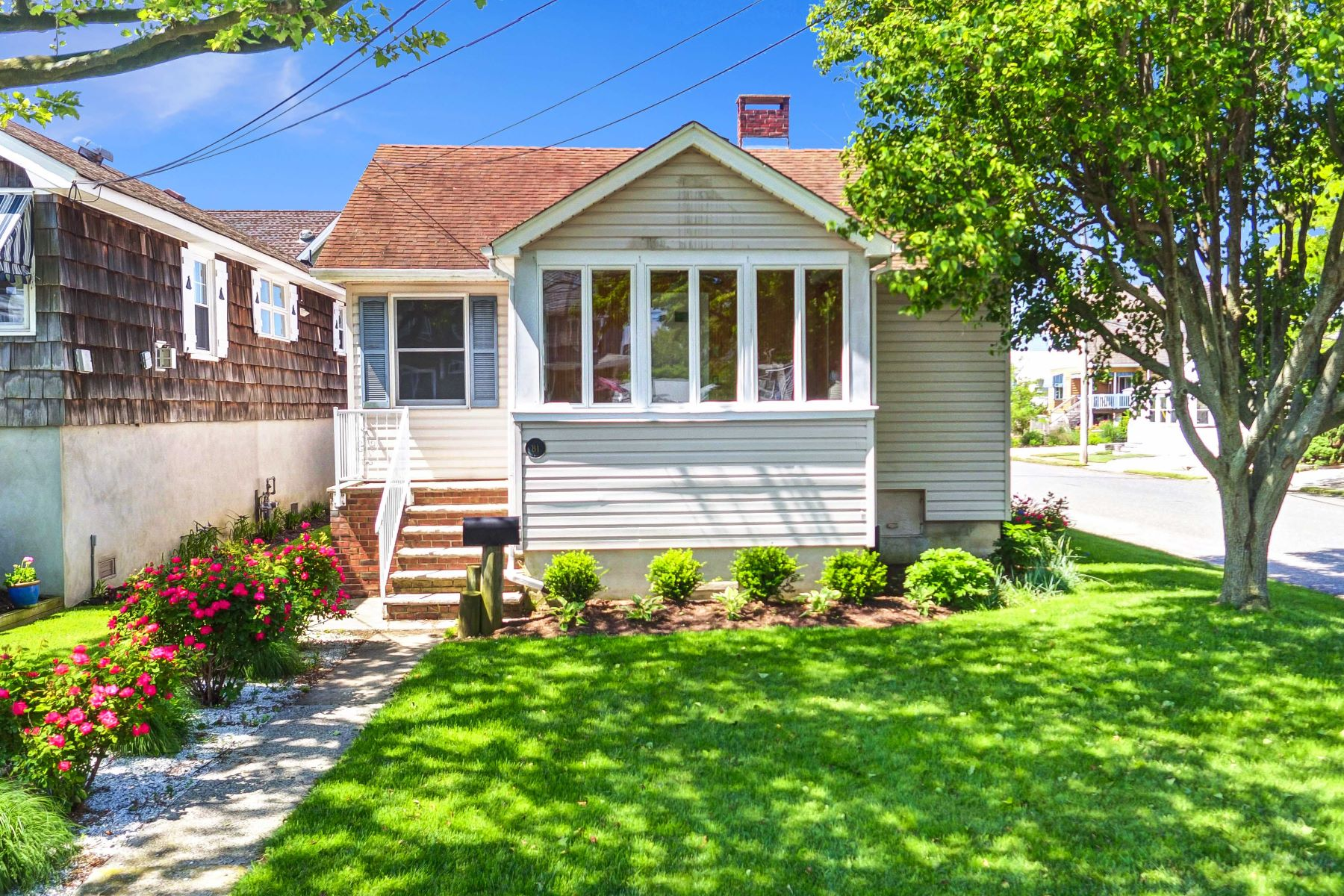 단독 가정 주택 용 매매 에 Manasquan Beach House 81 Rogers Ave Manasquan, 뉴저지, 08736 미국