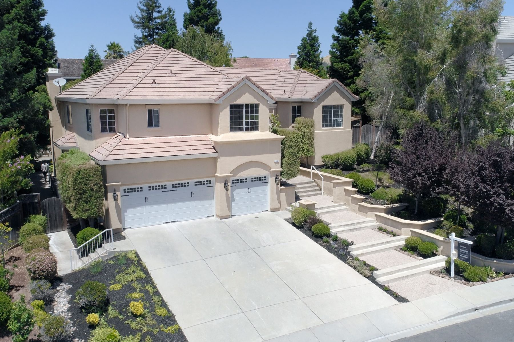 Single Family Home for Sale at 520 Chantecler Drive Fremont, California 94539 United States