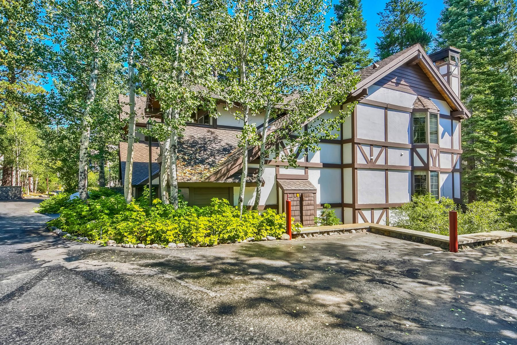 Additional photo for property listing at 227 Squaw Valley Rd. #27, Olympic Valley 227 Squaw Valley Road #27 Olympic Valley, California 96146 United States