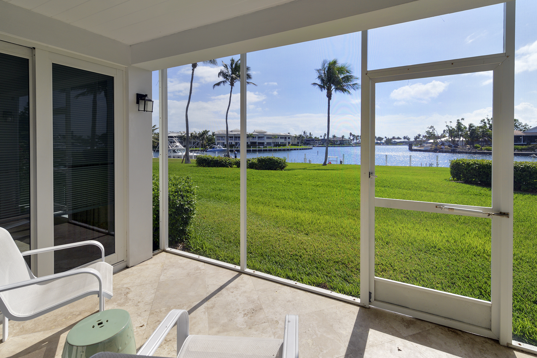 Appartement en copropriété pour l Vente à Spacious Waterfront Getaway at Ocean Reef 45 Anchor Drive, Unit A Key Largo, Florida 33037 États-Unis