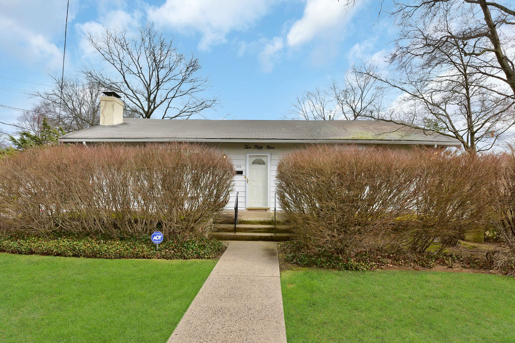 Single Family Home for Sale at Welcome Home! 259 Lafayette Avenue Westwood, New Jersey 07675 United States