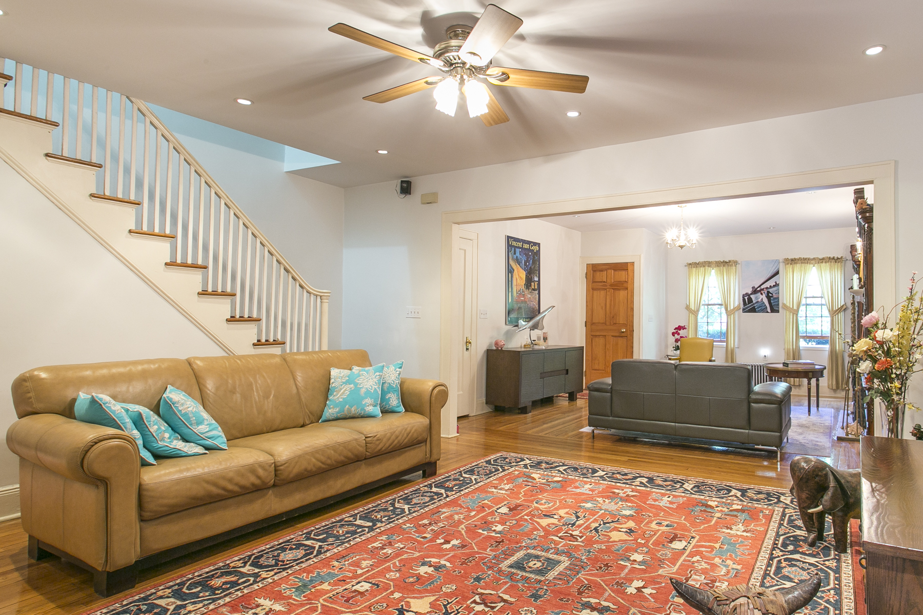 """Additional photo for property listing at """"TWO FAMILY HOME WITH PARK VIEWS"""" 198 Burns Street, Forest Hills, Nueva York 11375 Estados Unidos"""