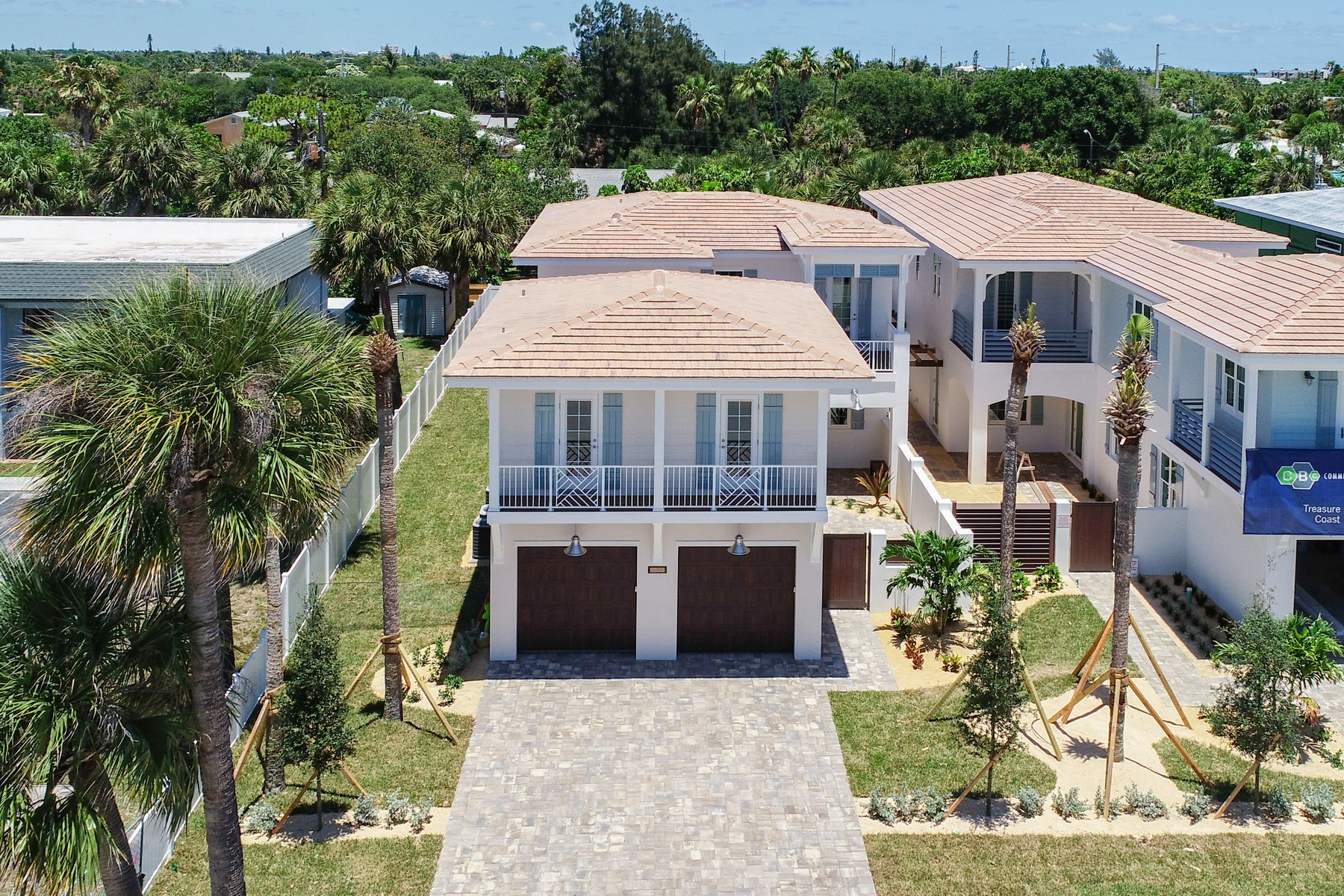 Additional photo for property listing at Avenues of Melbourne Beach 404 Ocean Avenue Melbourne Beach, Florida 32951 United States