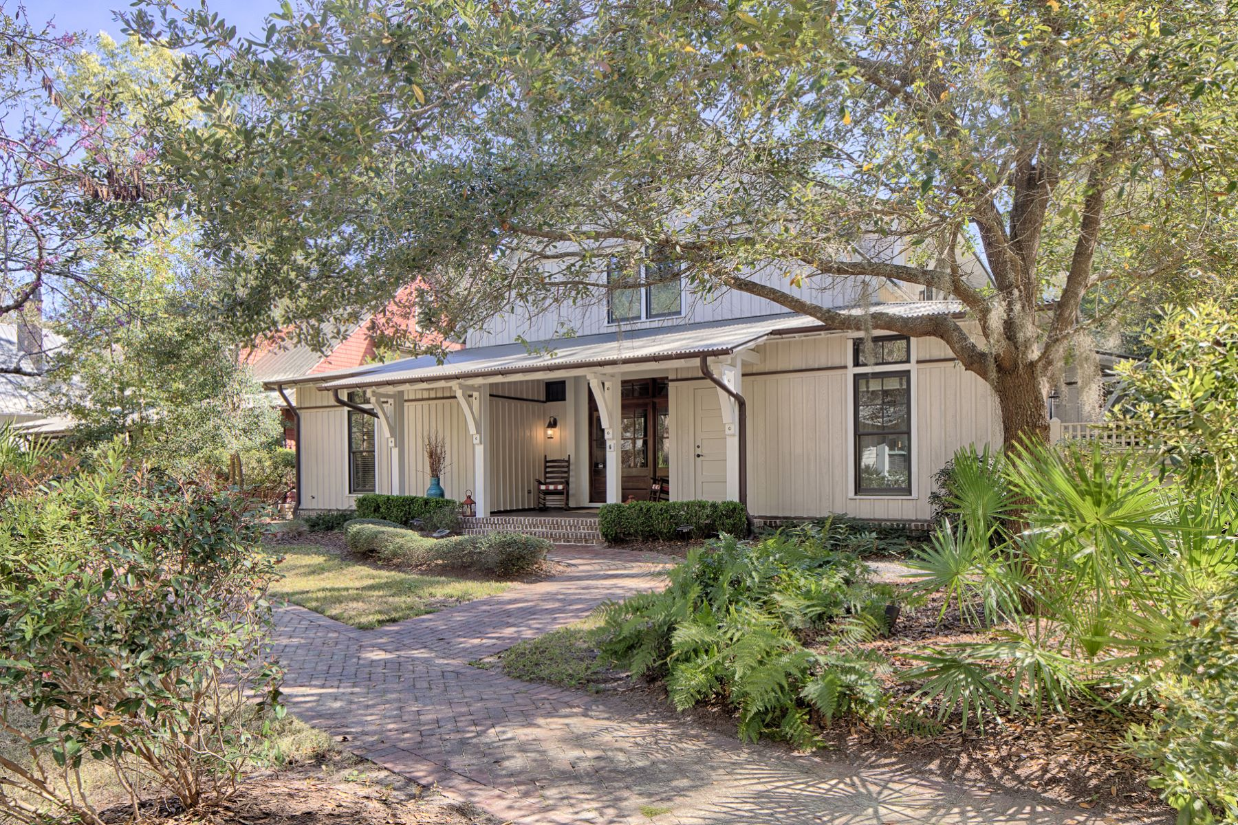 Single Family Homes for Active at 6 Rockingham Street Bluffton, South Carolina 29910 United States
