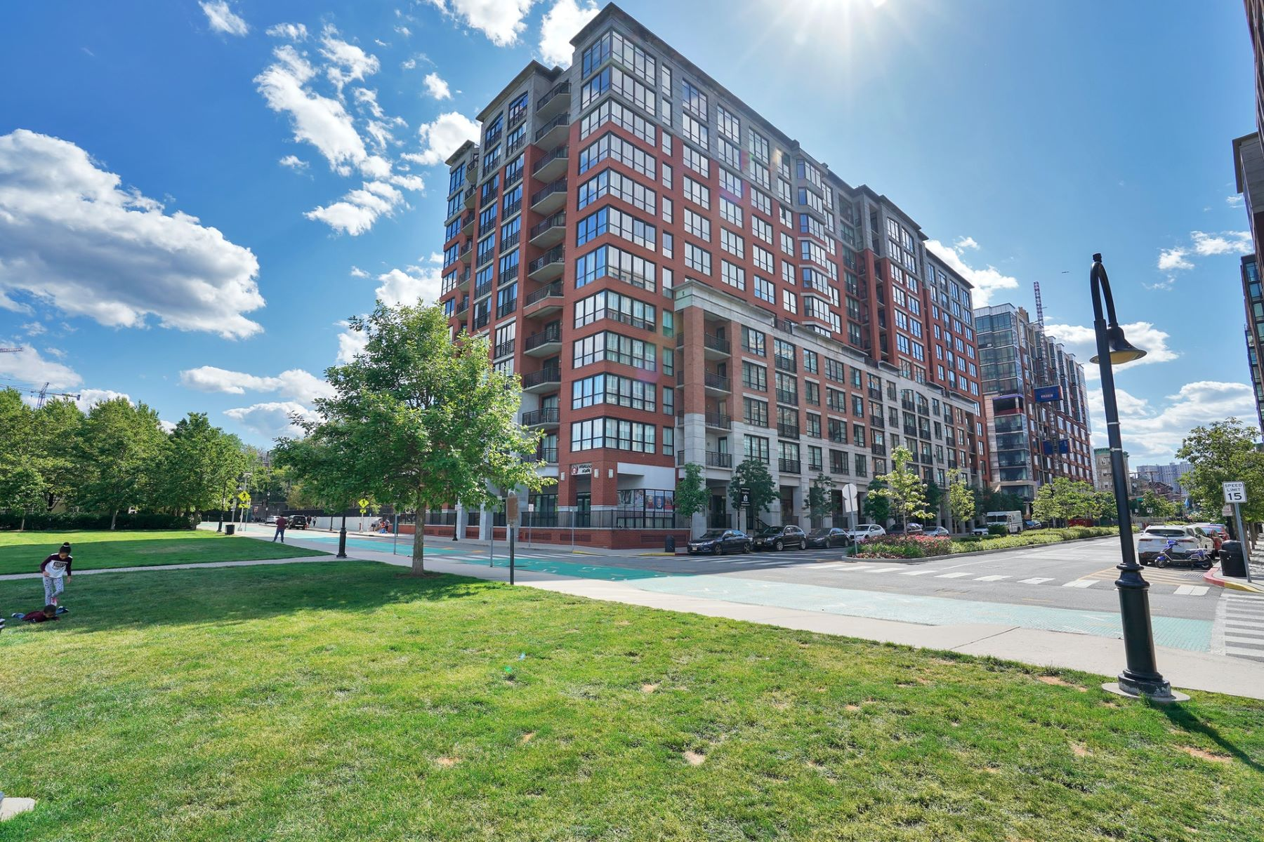 "Condominiums のために 売買 アット Maxwell Place"" Penthouse Luxury 1025 Maxwell Lane #1203, Hoboken, ニュージャージー 07030 アメリカ"
