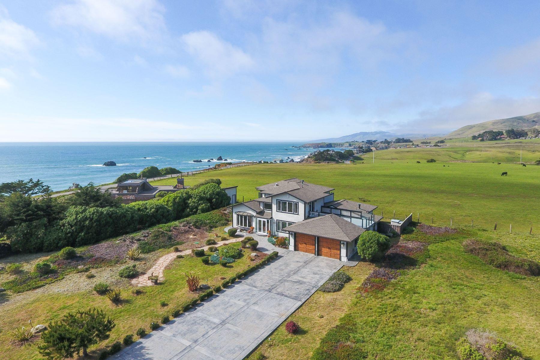 Maison unifamiliale pour l Vente à Sonoma Coast Custom-Built Home with White Water Views 125 Calle Del Sol Bodega Bay, Californie, 94923 États-Unis