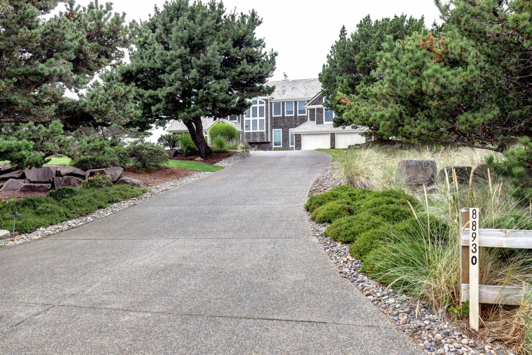 Single Family Homes pour l Vente à Magnificent Custom Ocean View Home 88930 Pinehurst Rd, Gearhart, Oregon 97138 États-Unis