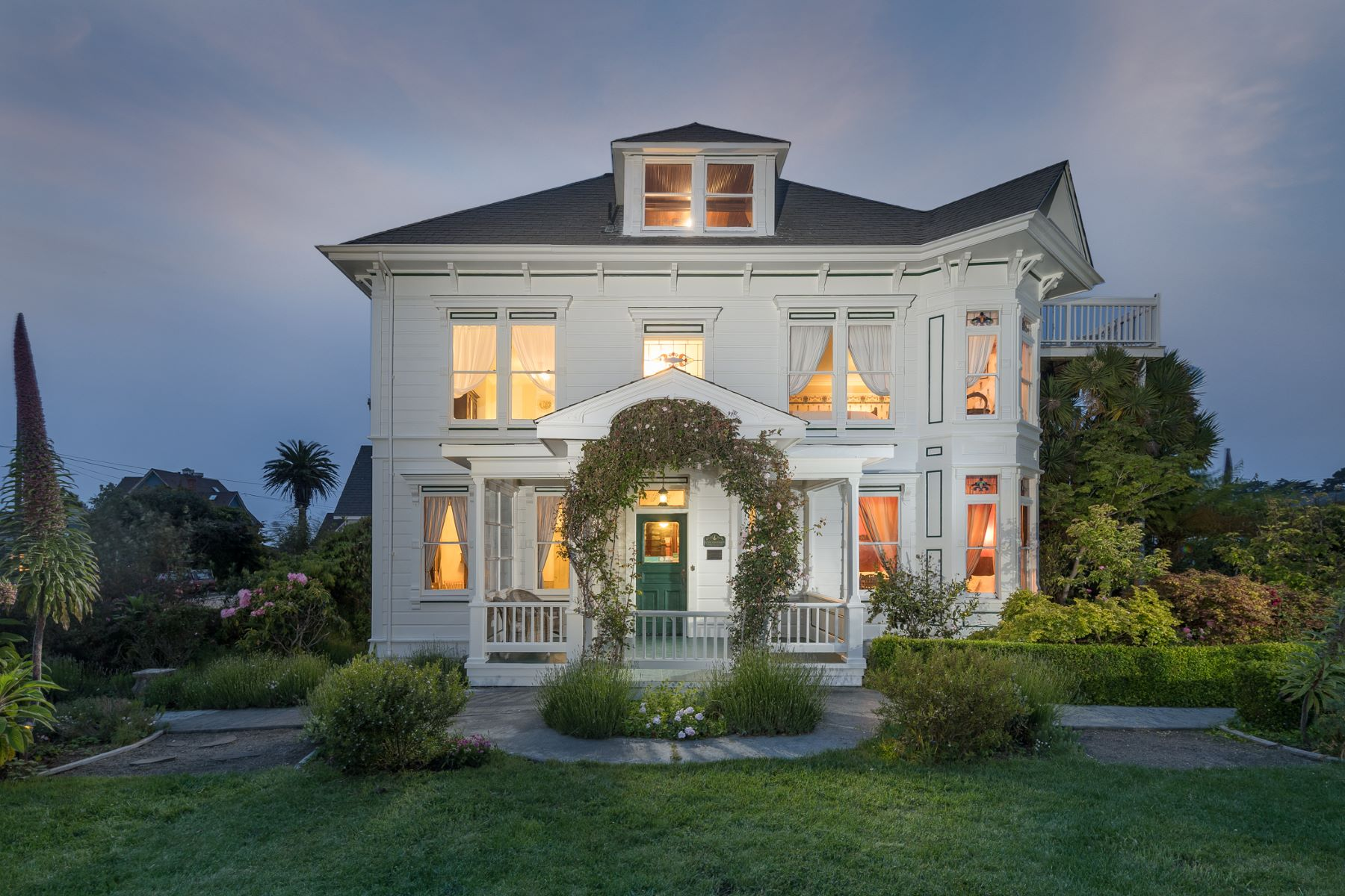 Single Family Homes for Sale at Historic Weller House Estate! 524 Stewart Street Fort Bragg, California 95437 United States
