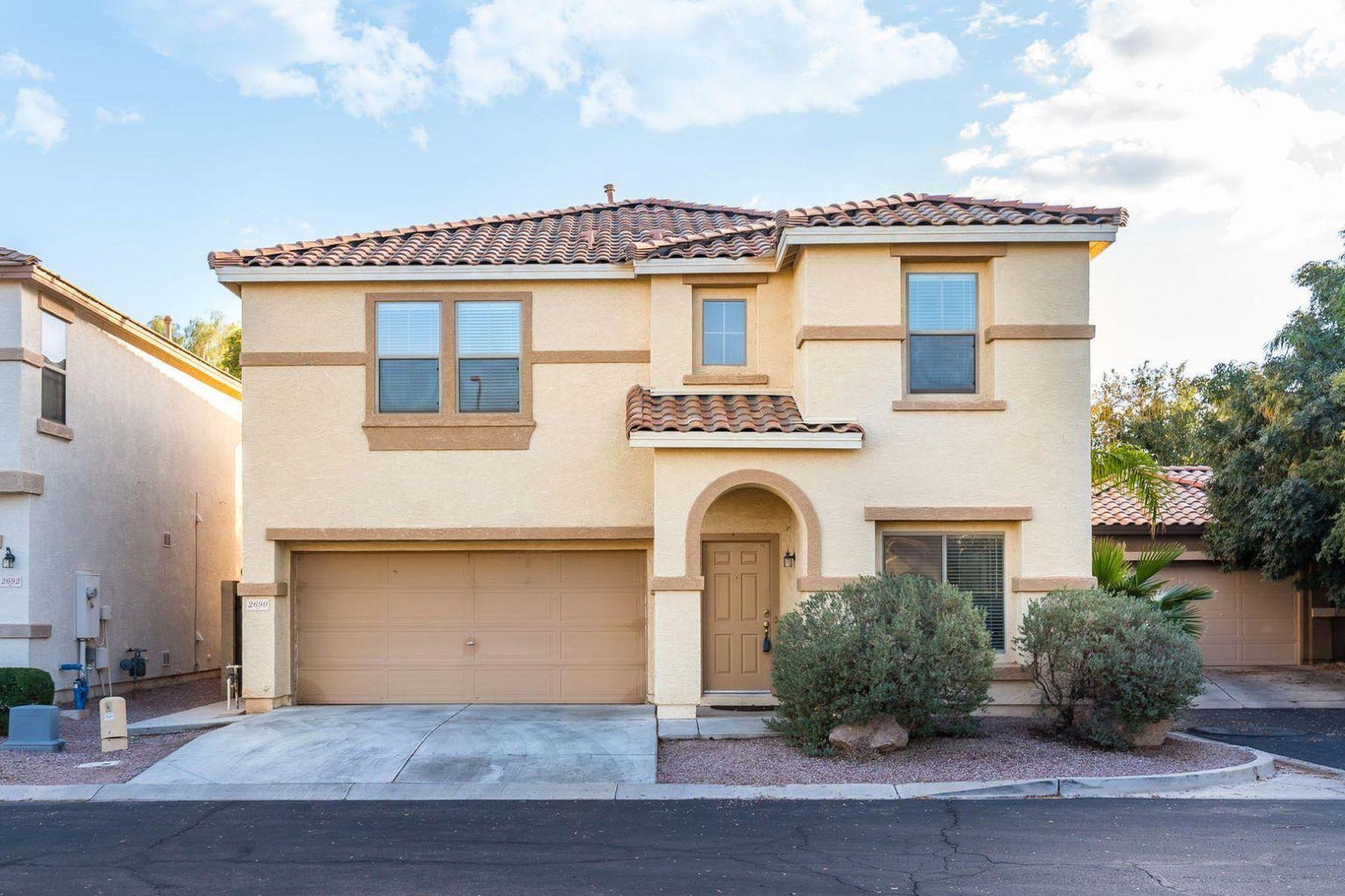 Single Family Homes por un Venta en Villages At The Spectrum 2690 S Southwind Dr Gilbert, Arizona 85295 Estados Unidos