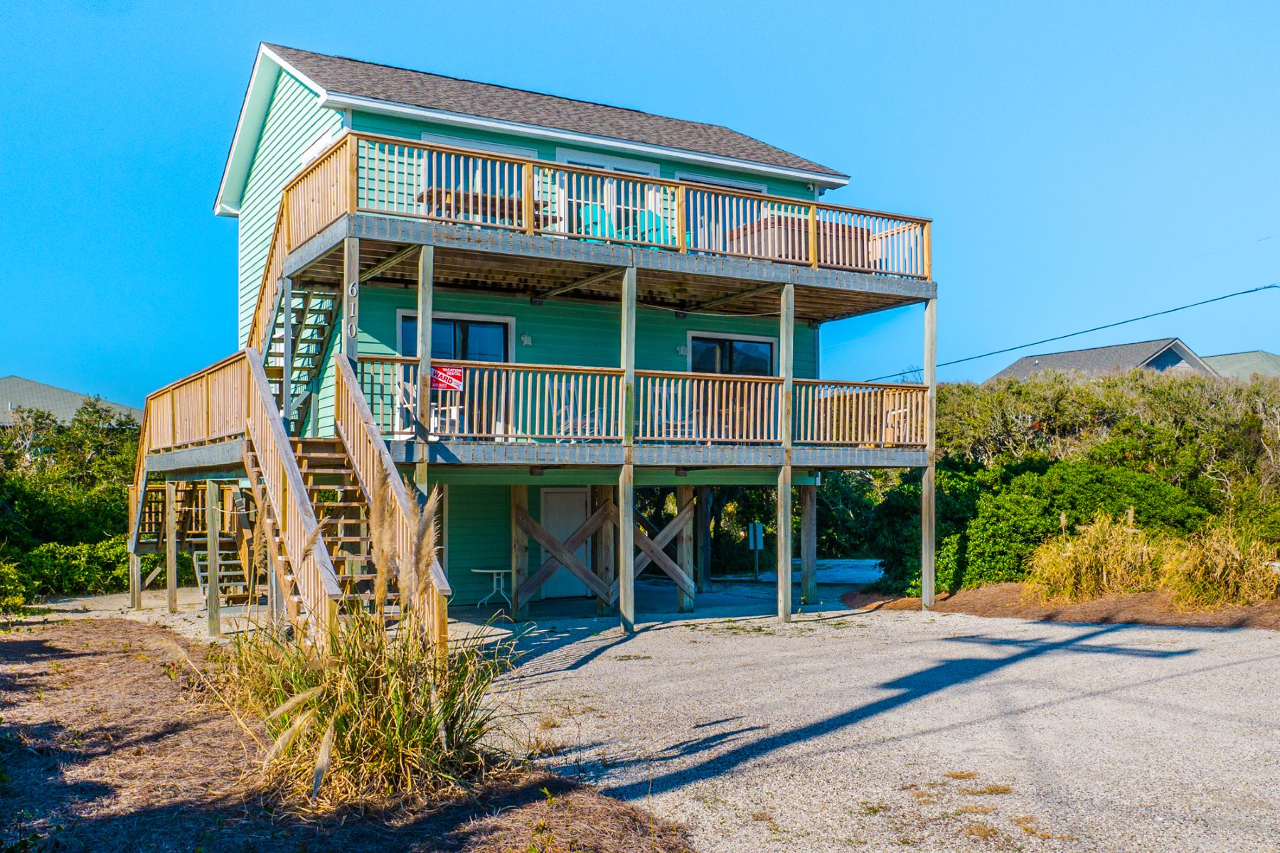 Single Family Homes for Active at Coastal Beach Home on Topsail Beach 610 N Anderson Blvd. Topsail Beach, North Carolina 28445 United States